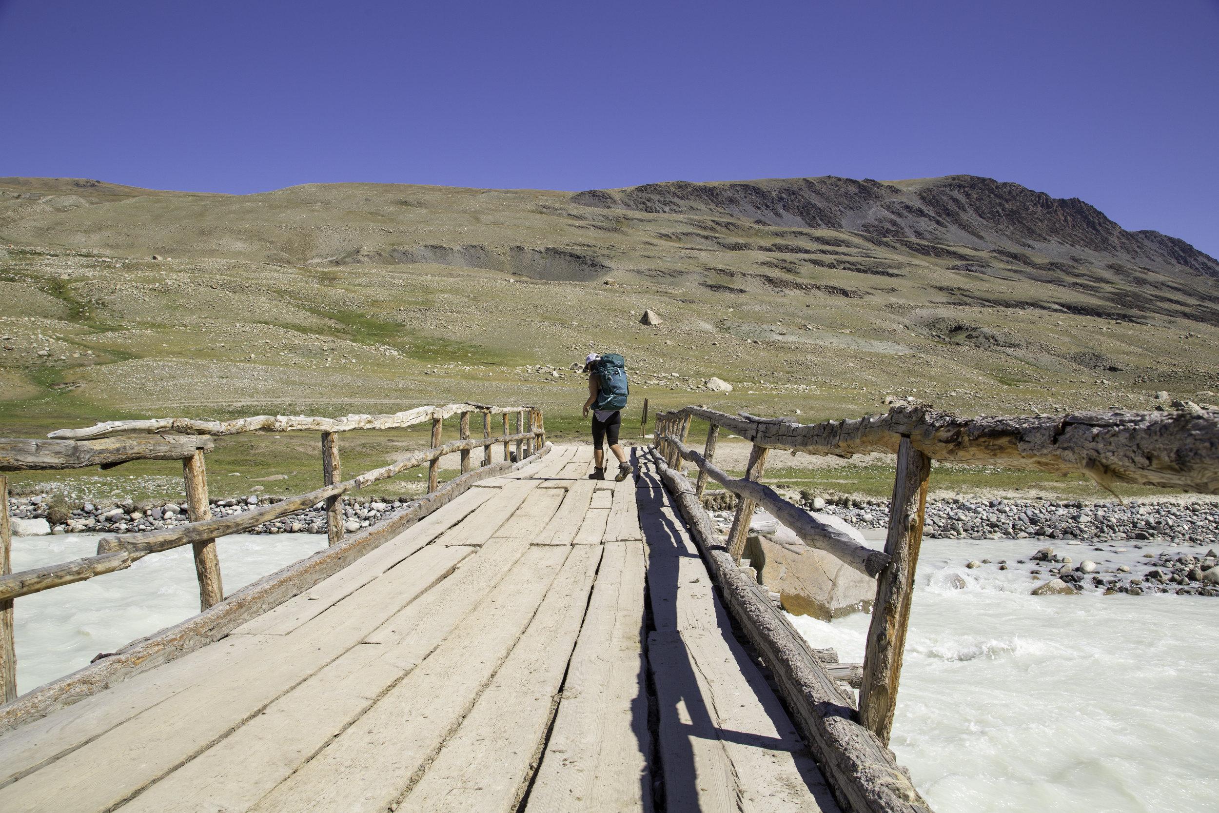 Mongolia walking tour edgewalkers 35.jpg