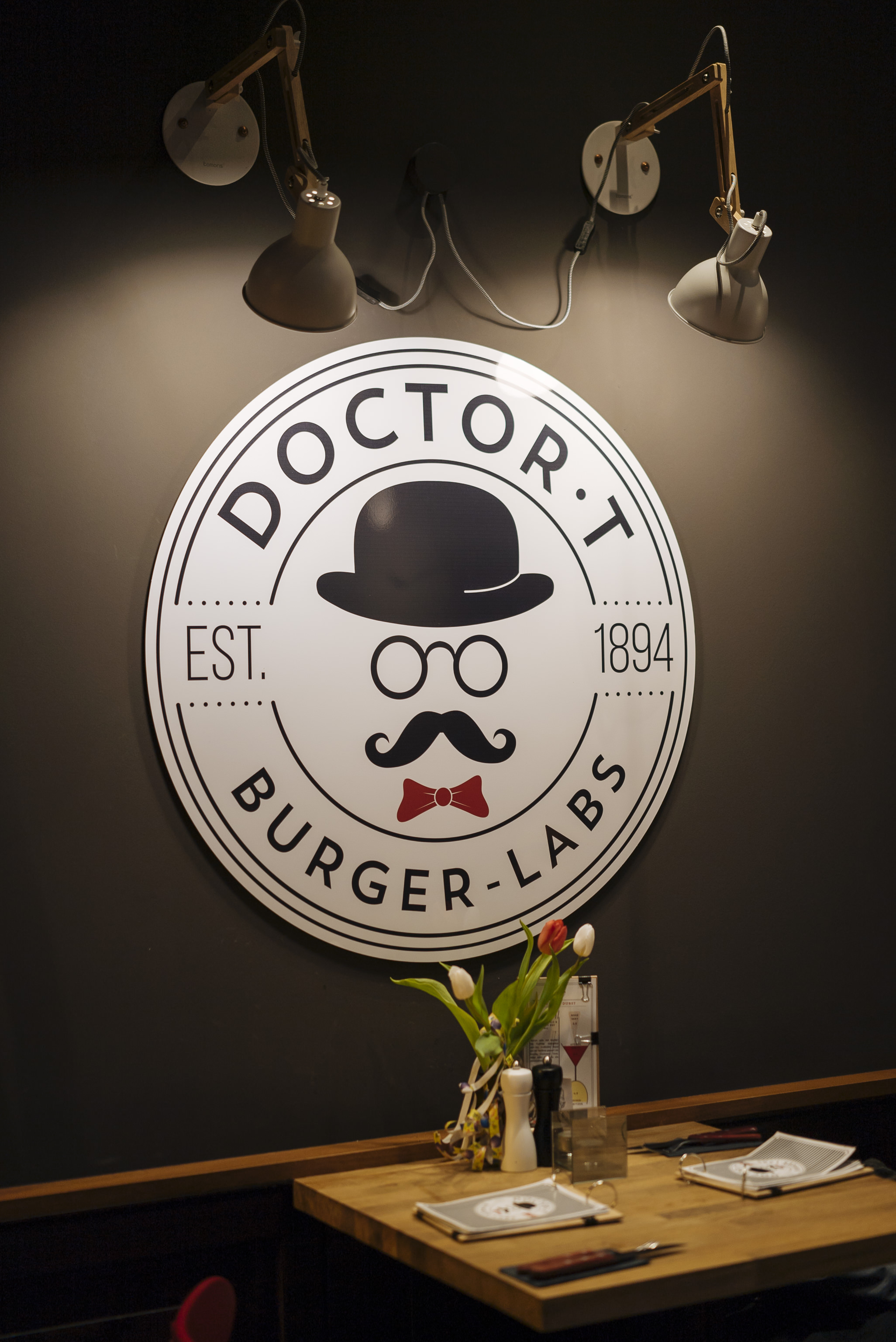 doctor_t_burger-labs_04.jpg