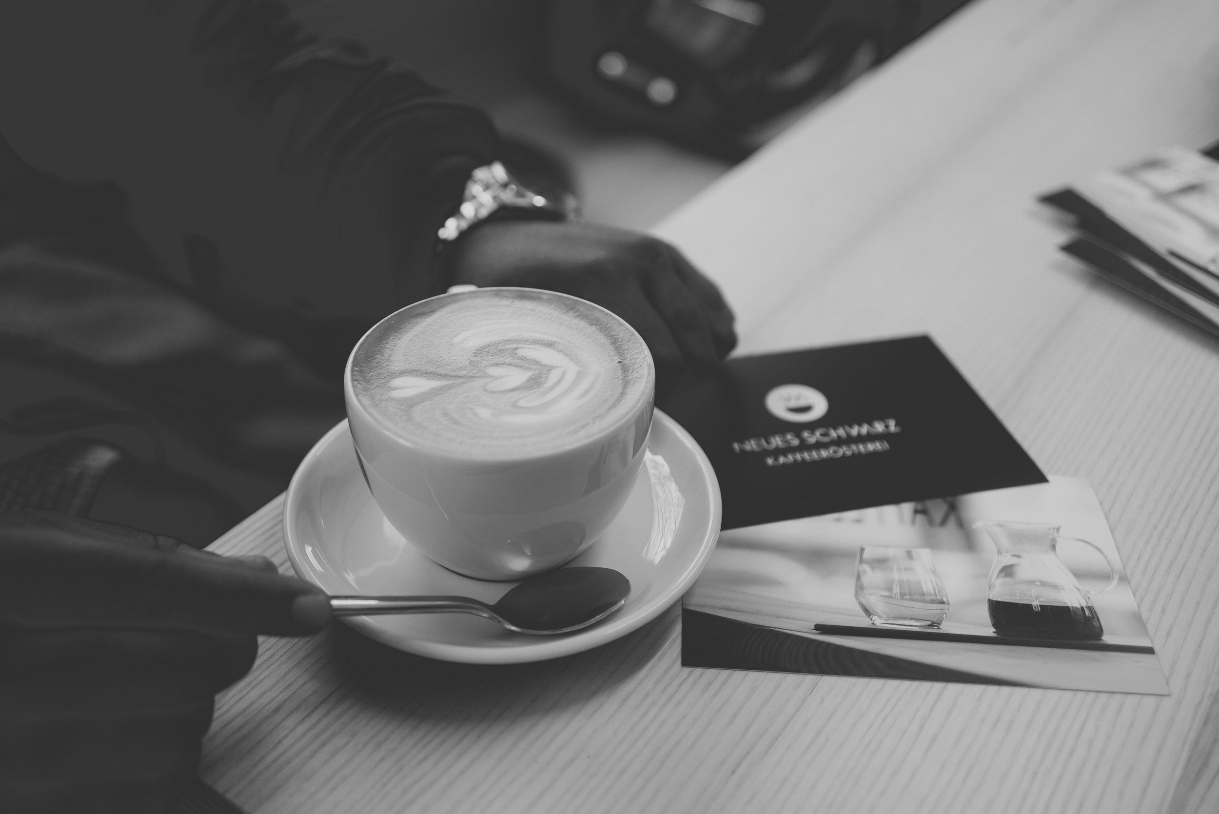 neues-schwarz-kaffeebar-01.jpg