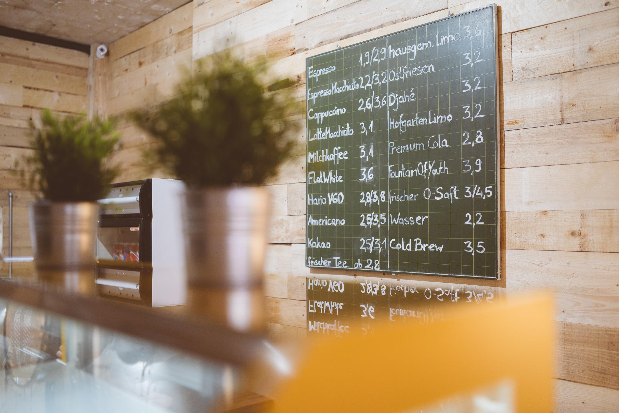Faire Preise? - Ein Muss in einer Stadt wie Duisburg, die ja nicht für ihren finanziellen Reichtum berühmt ist.So kostet ein guter (!) Cappuccino € 2,60.