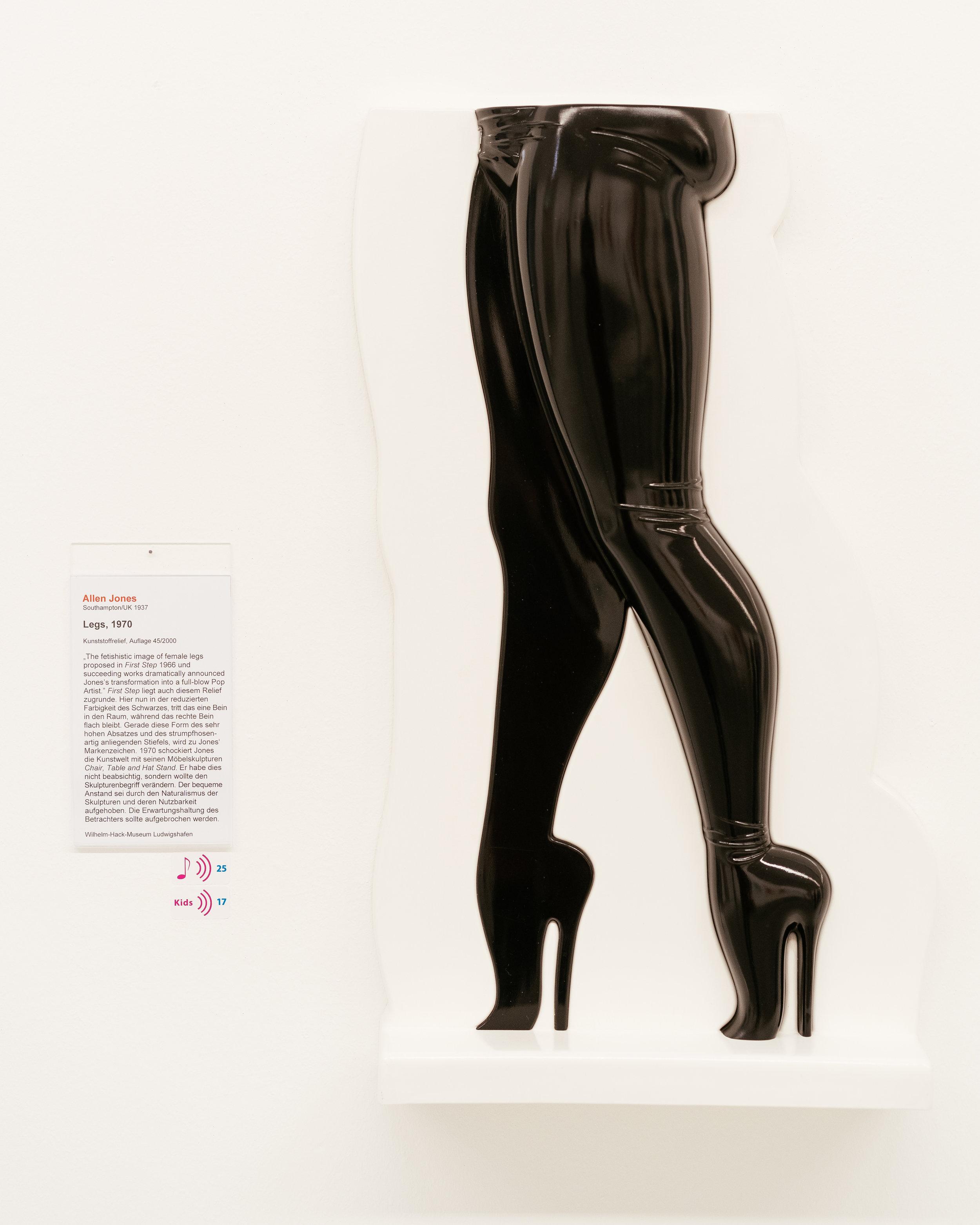 Allen Jones' - Werke gehen in Richtung Fetisch – würde ich mir auch an die Wand hängen!