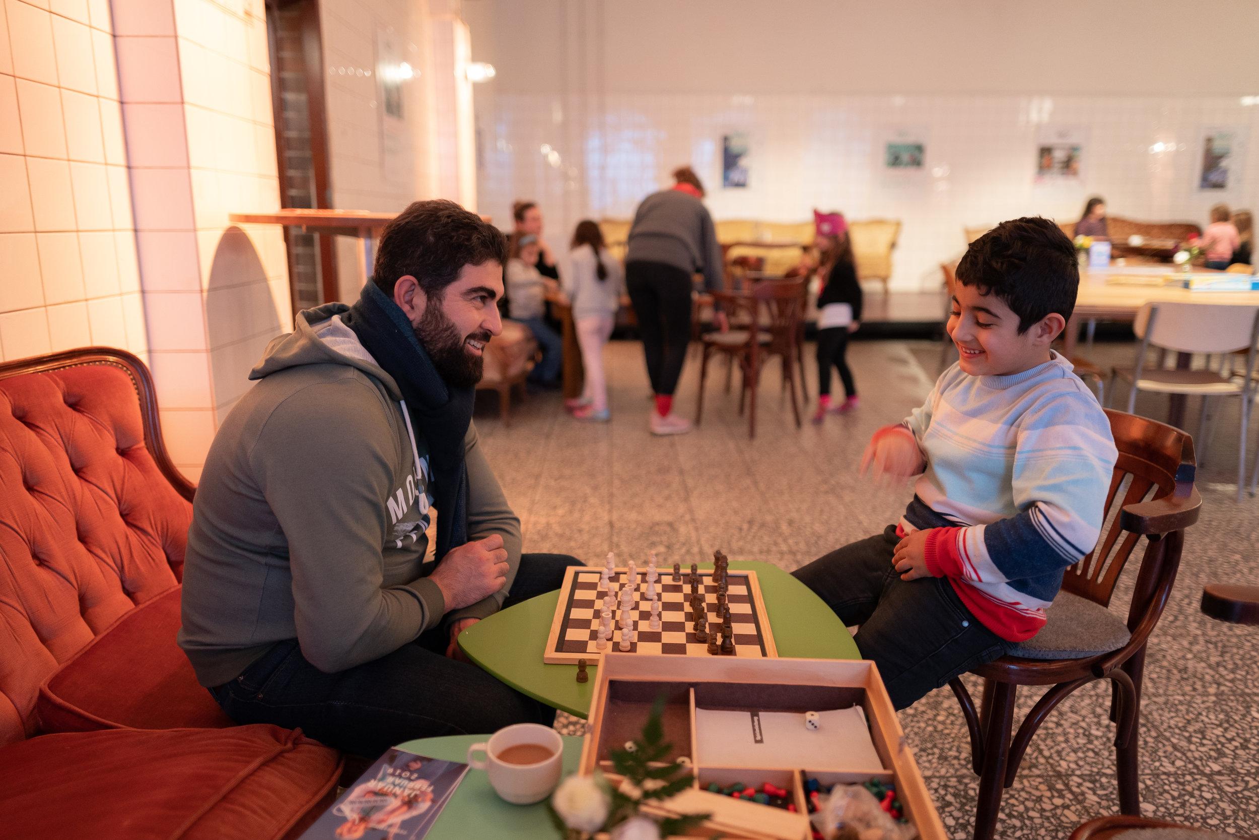 Schachspielen im PACT Café!
