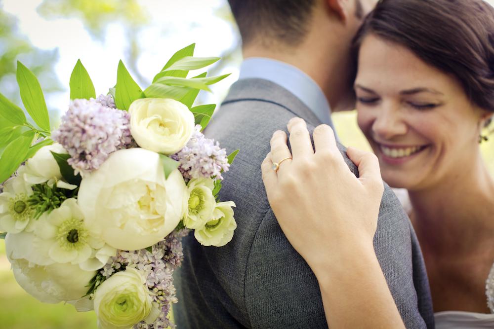 bouquet-ringshot-happycouple-photography-weddingday