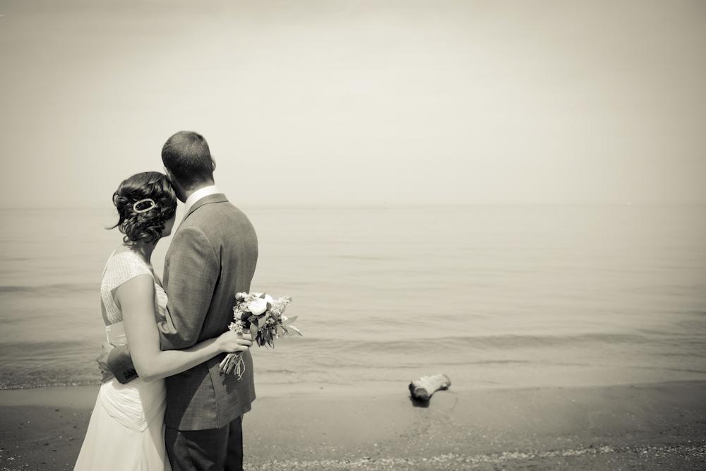 weddinglake-blackandwhite-dramatic-photography