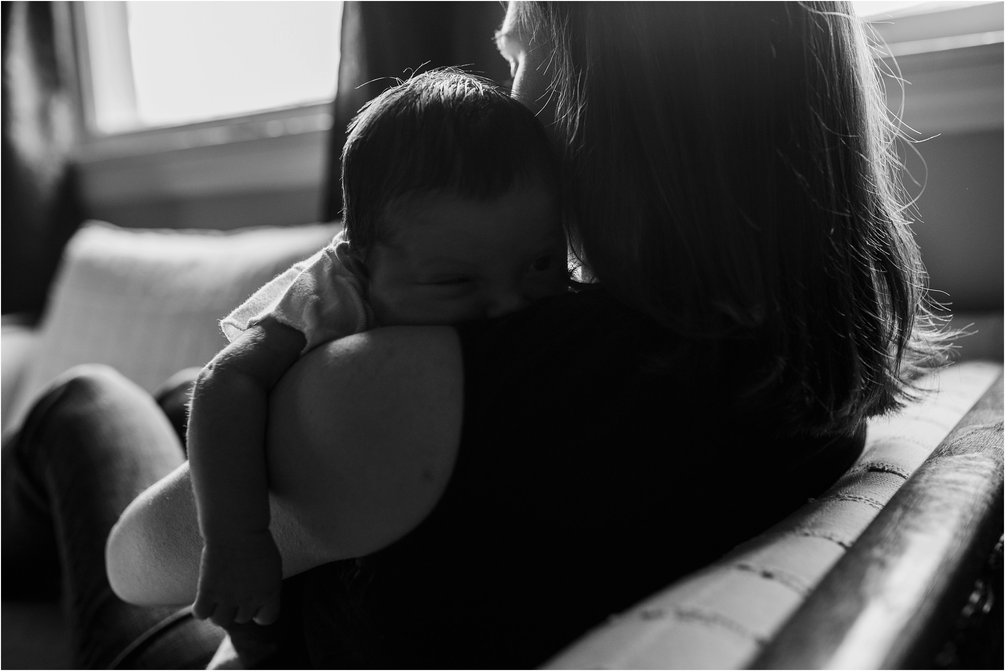 baby on mom's shoulder