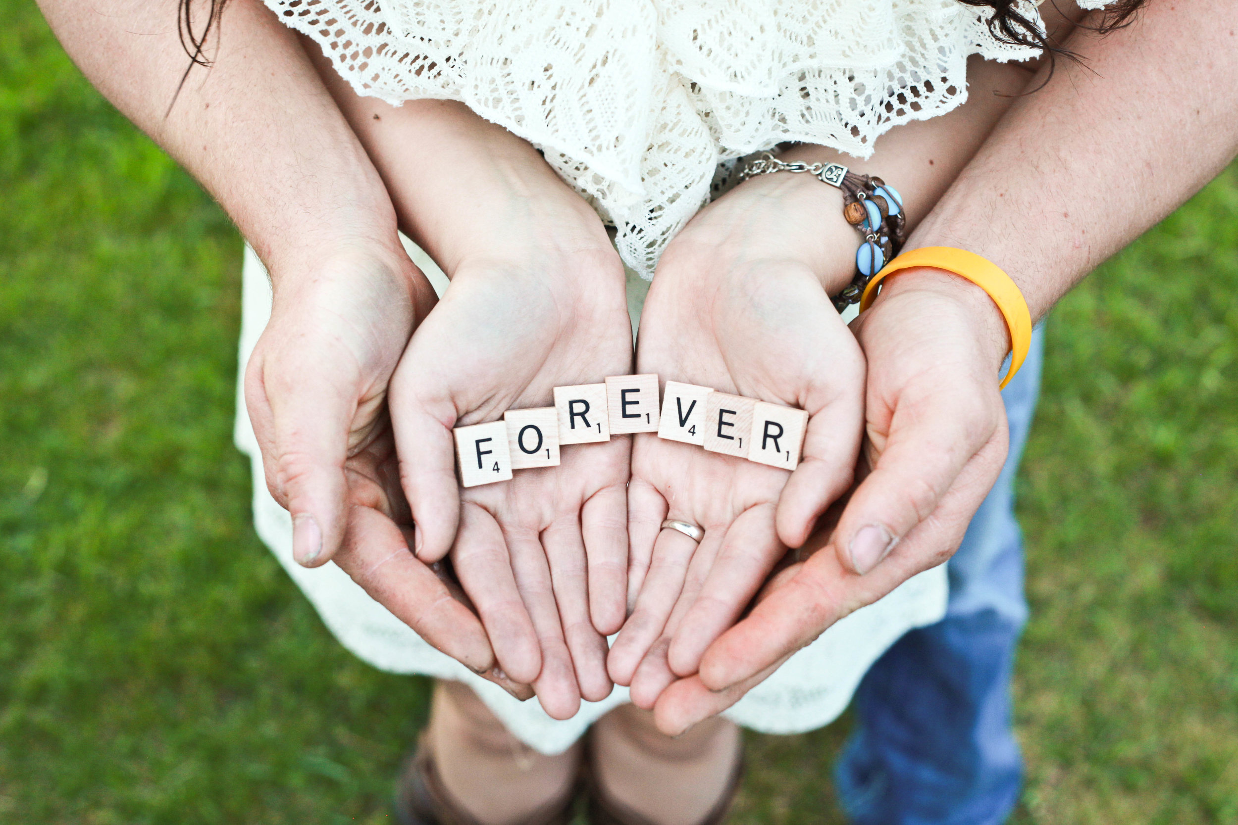 marriage - Strengthening marriages with devotions and tips.