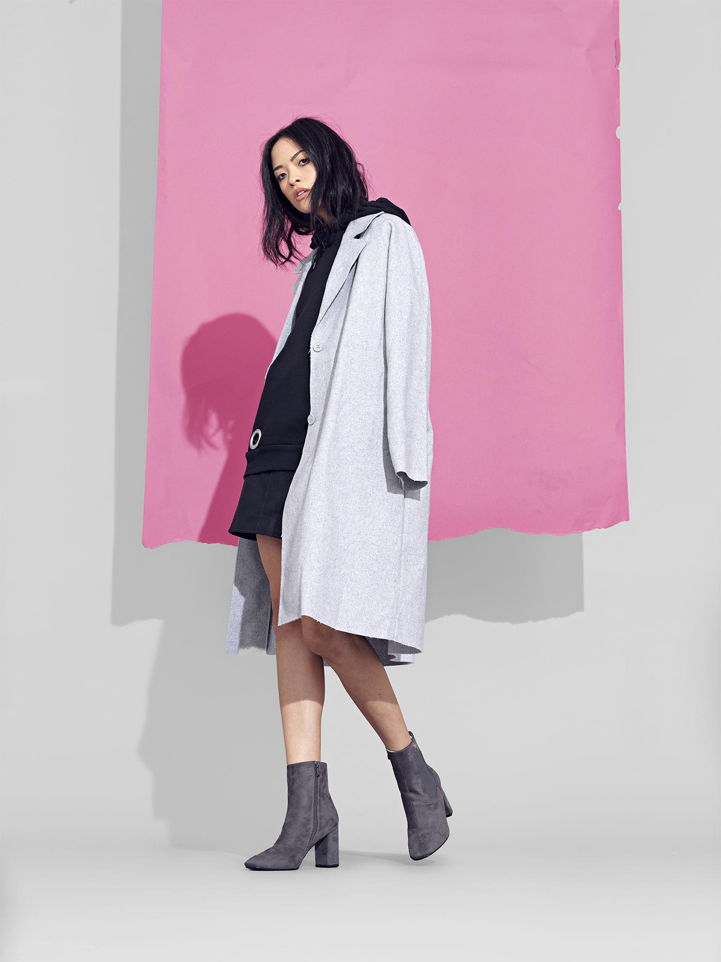 2_Creme-creative-koi-footwear.jpg