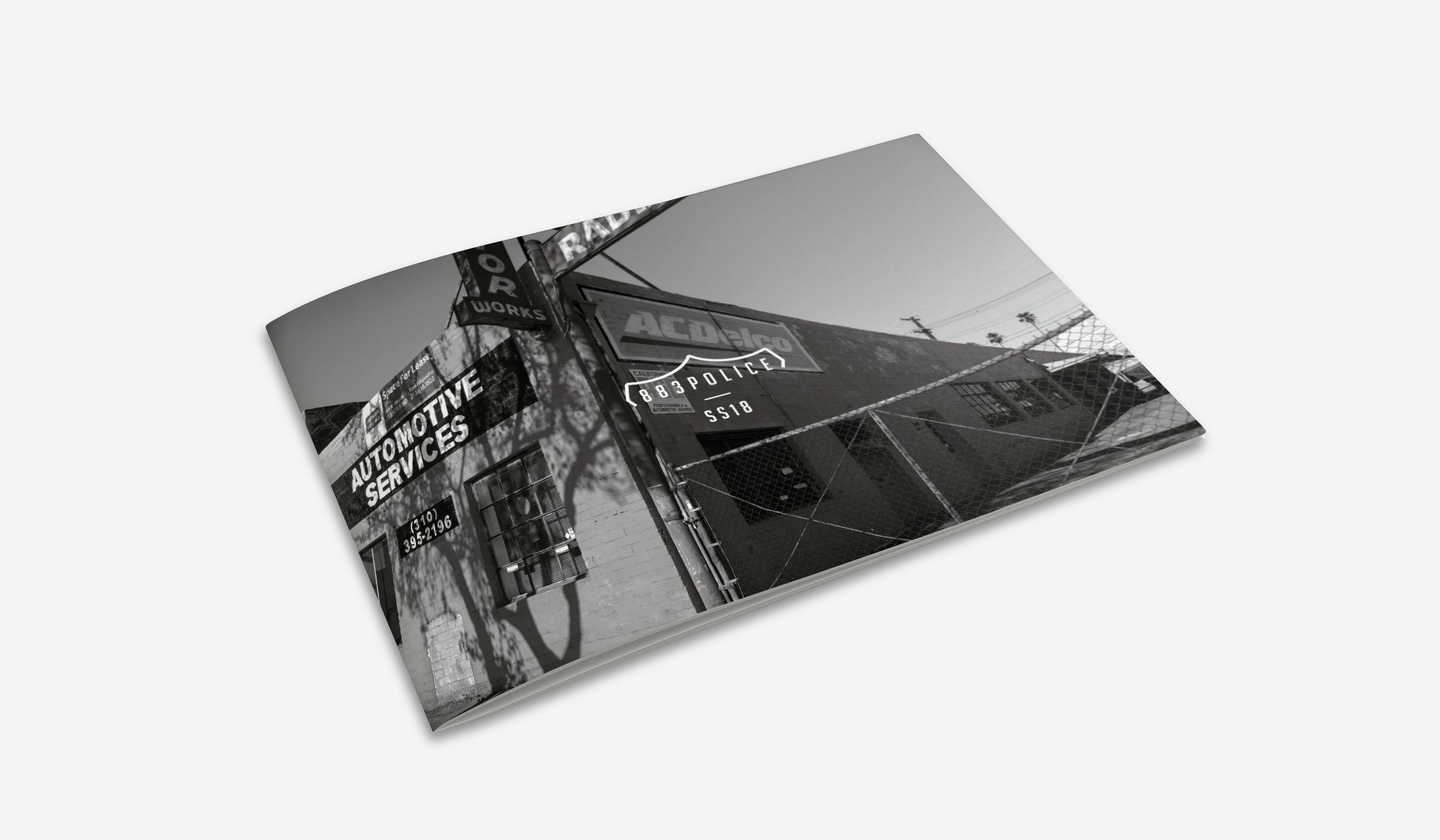 Mockup_HorizontalA5_Brochure_1.jpg