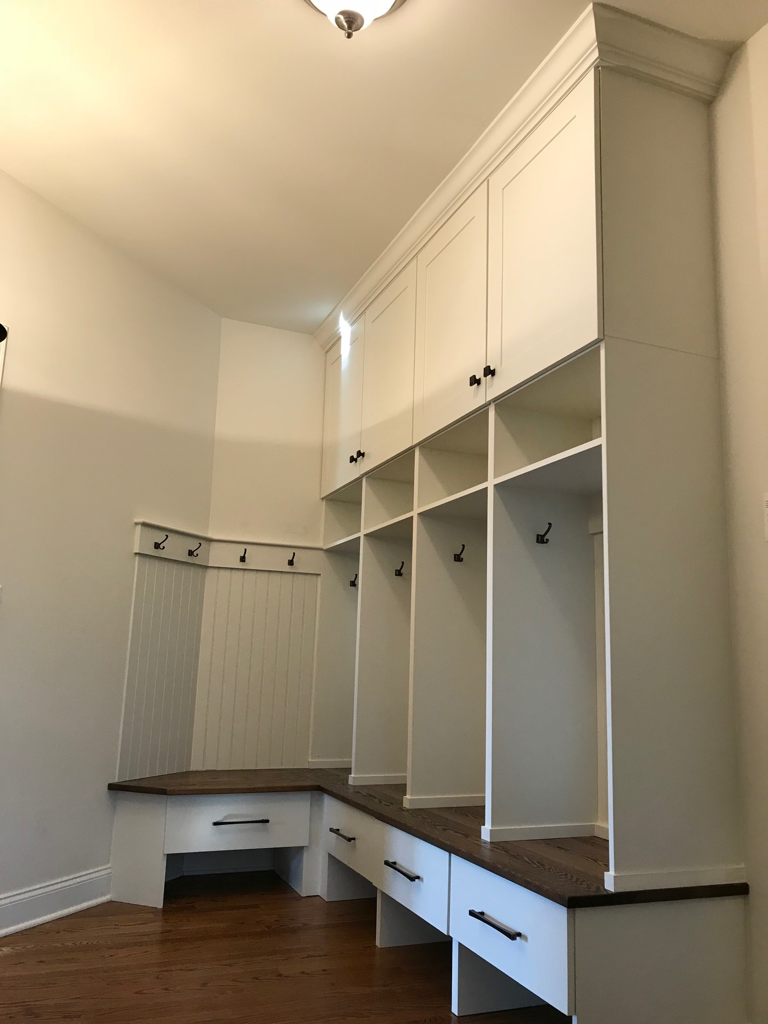 mudroom lockers w/ storage