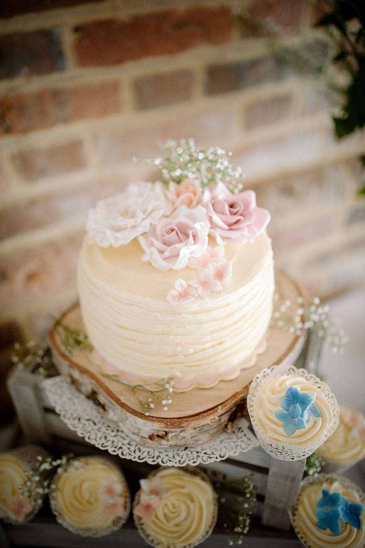 Surrey Wedding Cakes 3.jpg