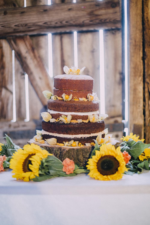 wedding cakes 17.jpg