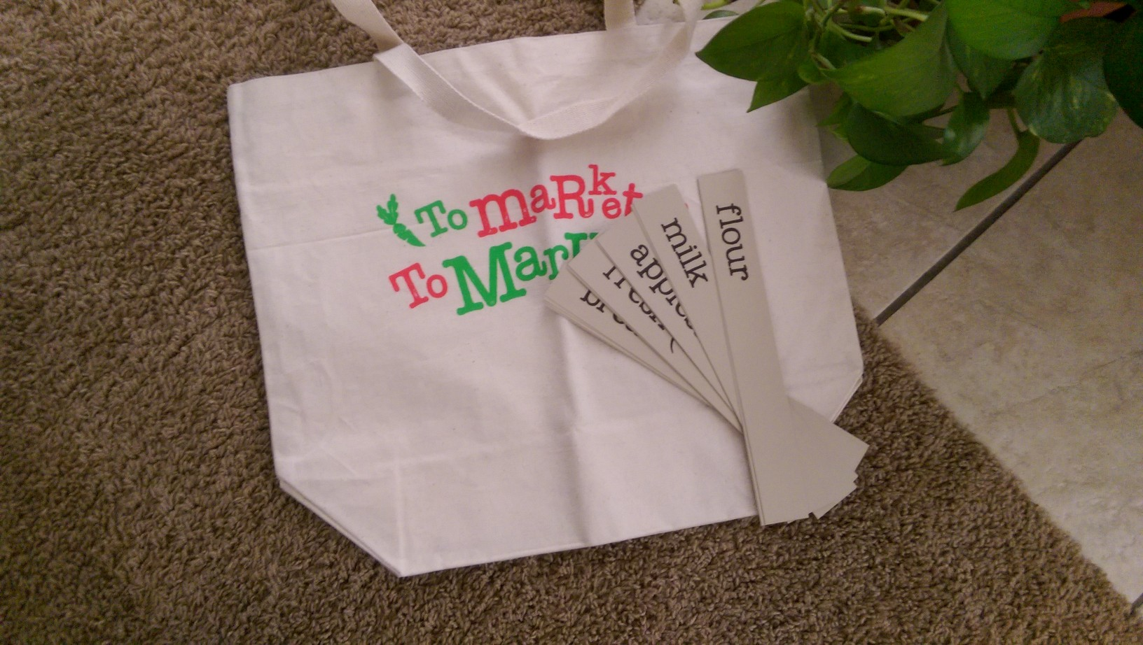 Grocery cards and shopping tote to make grocery shopping easier with children.