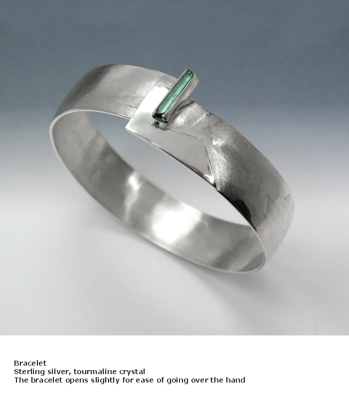 click bracelet tourmaline crystal.jpg