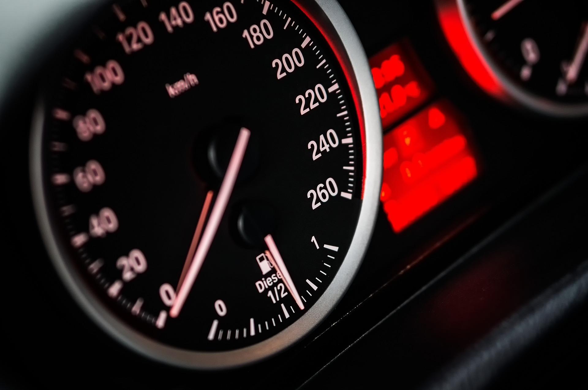 speed-1249610_1920.jpg