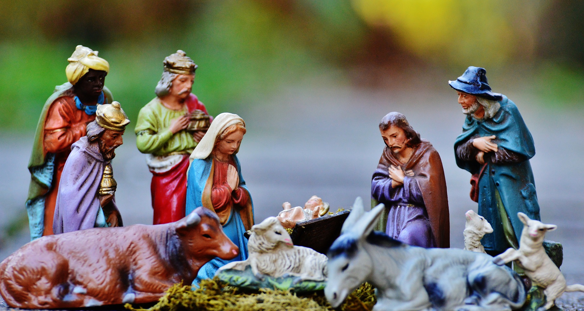 christmas-crib-figures-1060021_1920.jpg