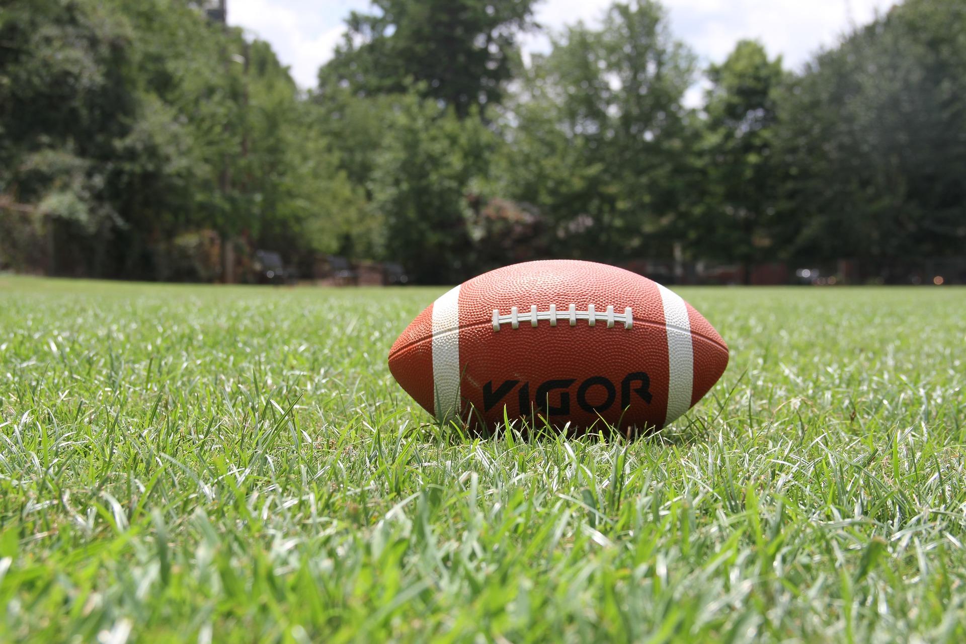 american-football-1666276_1920.jpg