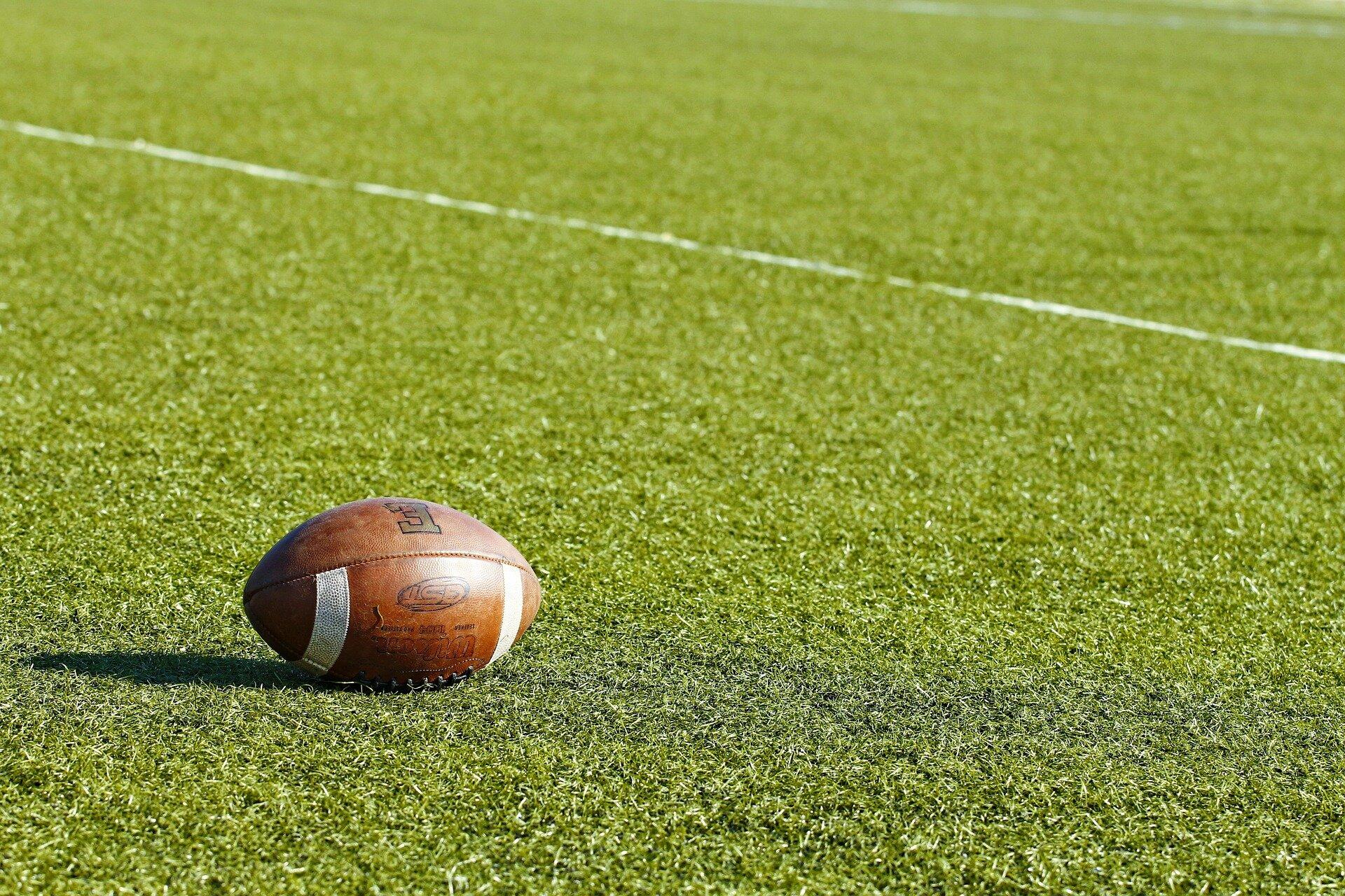 american-football-3943900_1920.jpg