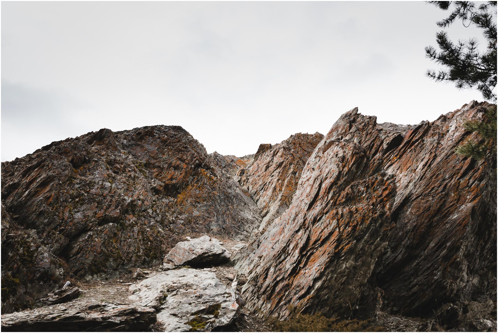 Jasper National Park - Old Fort Point - Rock Formation - Canadian Rocky Mountains - Rockies - Treelines Photography - Edmonton Travel Photographer