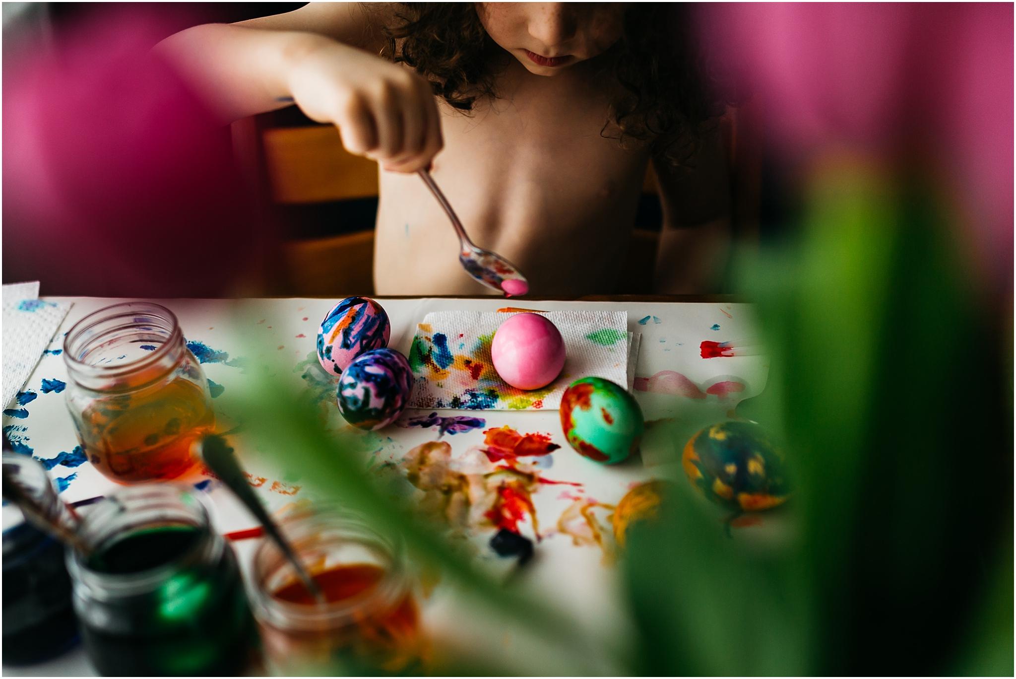 2018-04-02_0009.jpgEaster Egg Painting - Edmonton Photographer - Edmonton Family Photographer -  Easter Eggs - Easter 2018 - Crayons on Easter Eggs - Edmonton Documentary Photographer - Family Photography - Documentary Photography - Tulips - Spring Flowers - Easter in Edmonton - Pink Eggs - Easter Egg making