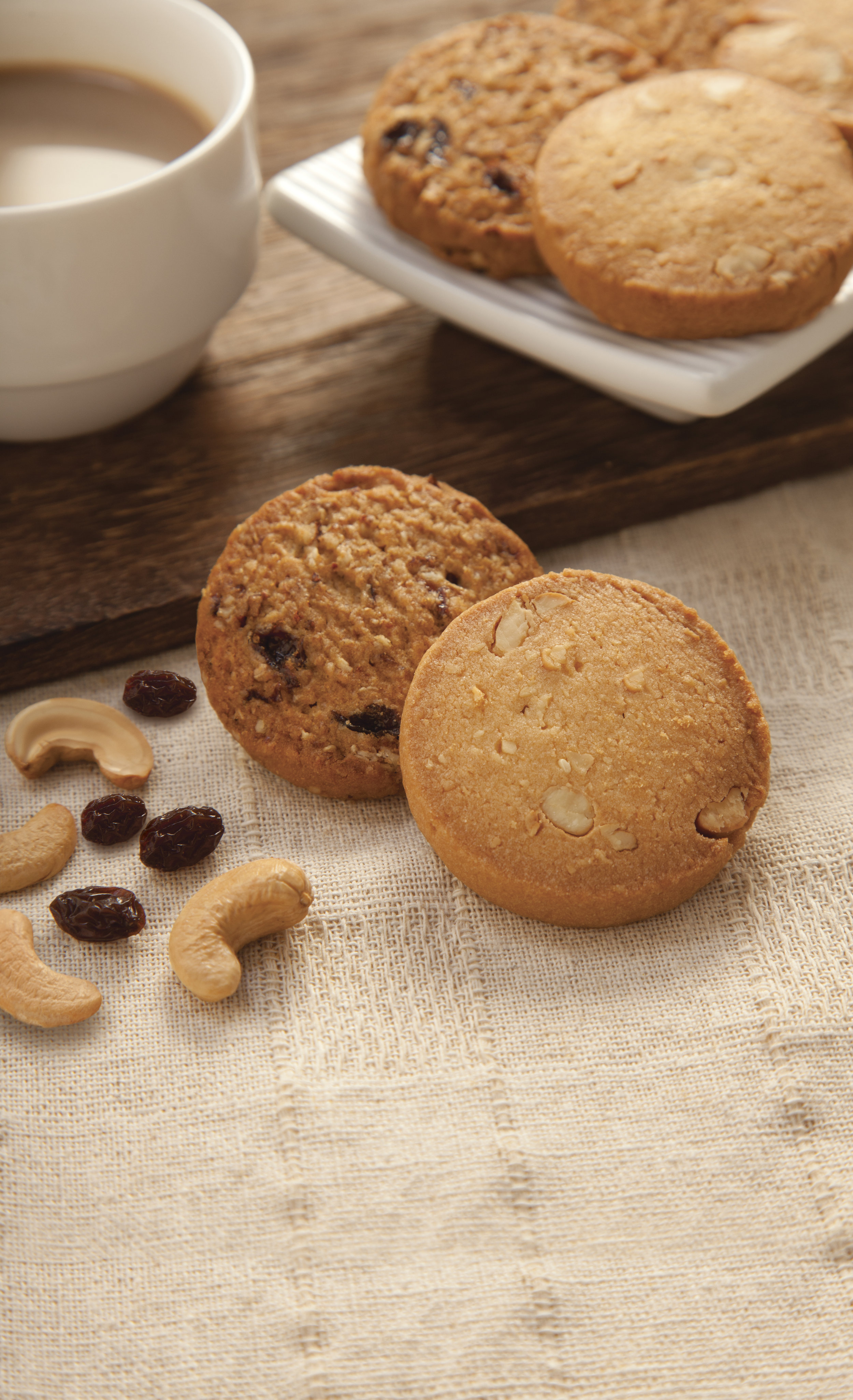 Grapes & cashews cookies.jpg