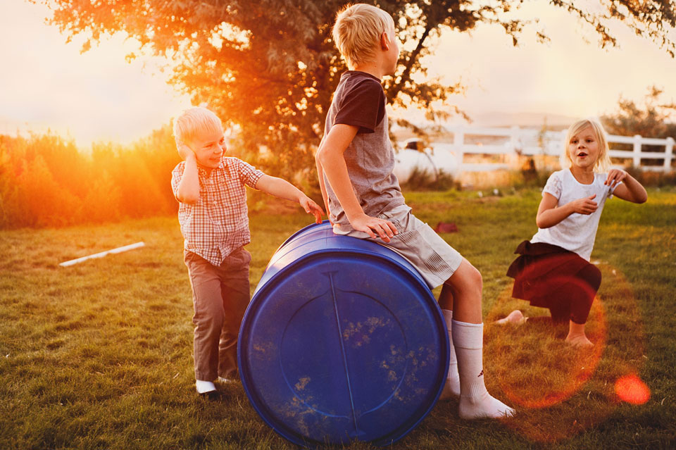 lifestyleportrait_kids reading.jpeg