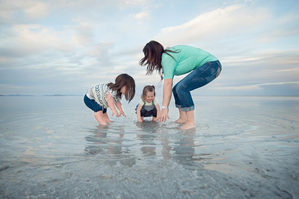 family photo session_salt_flats-1.jpg