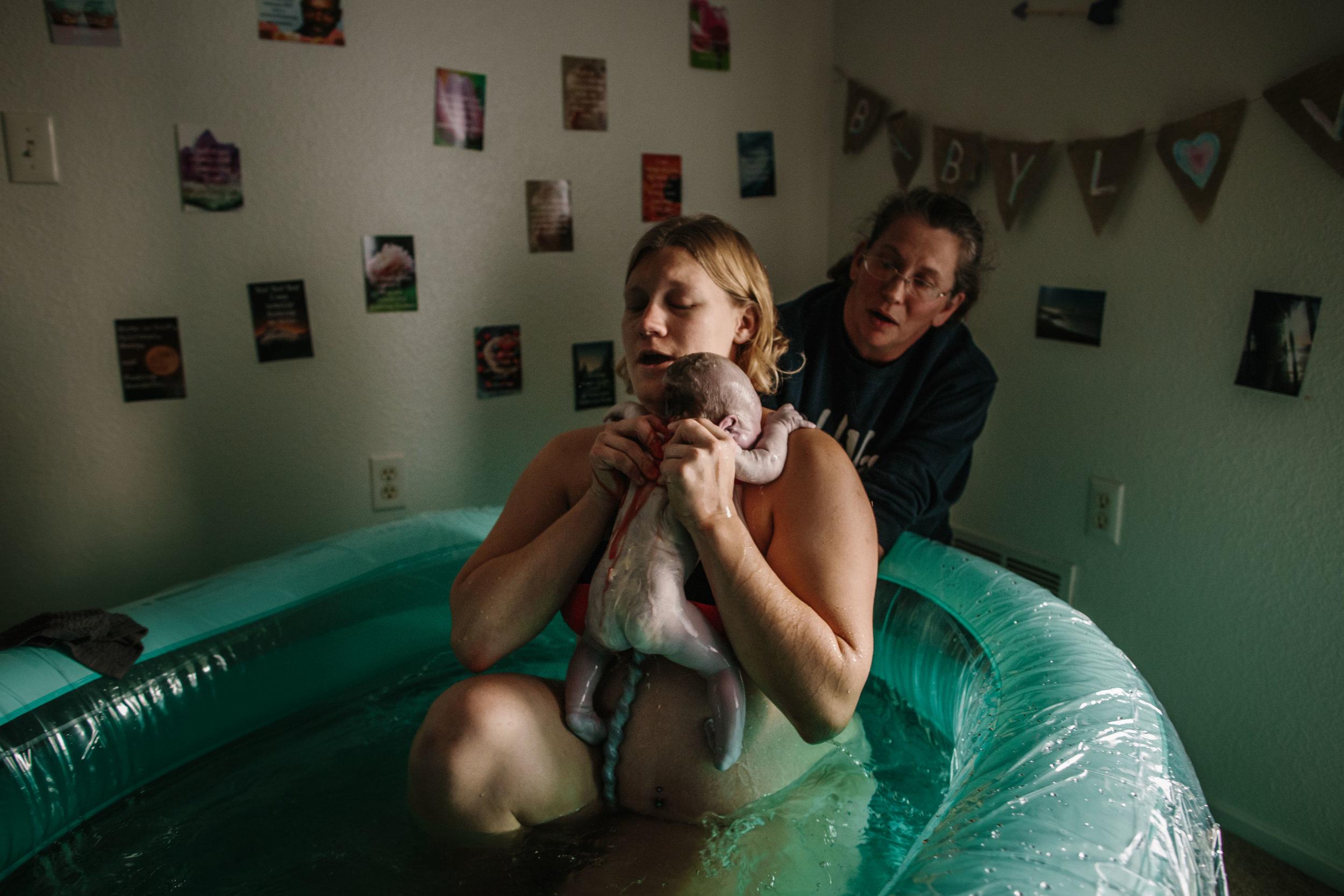 candice birth, cheyenne birth photographer-30.jpg