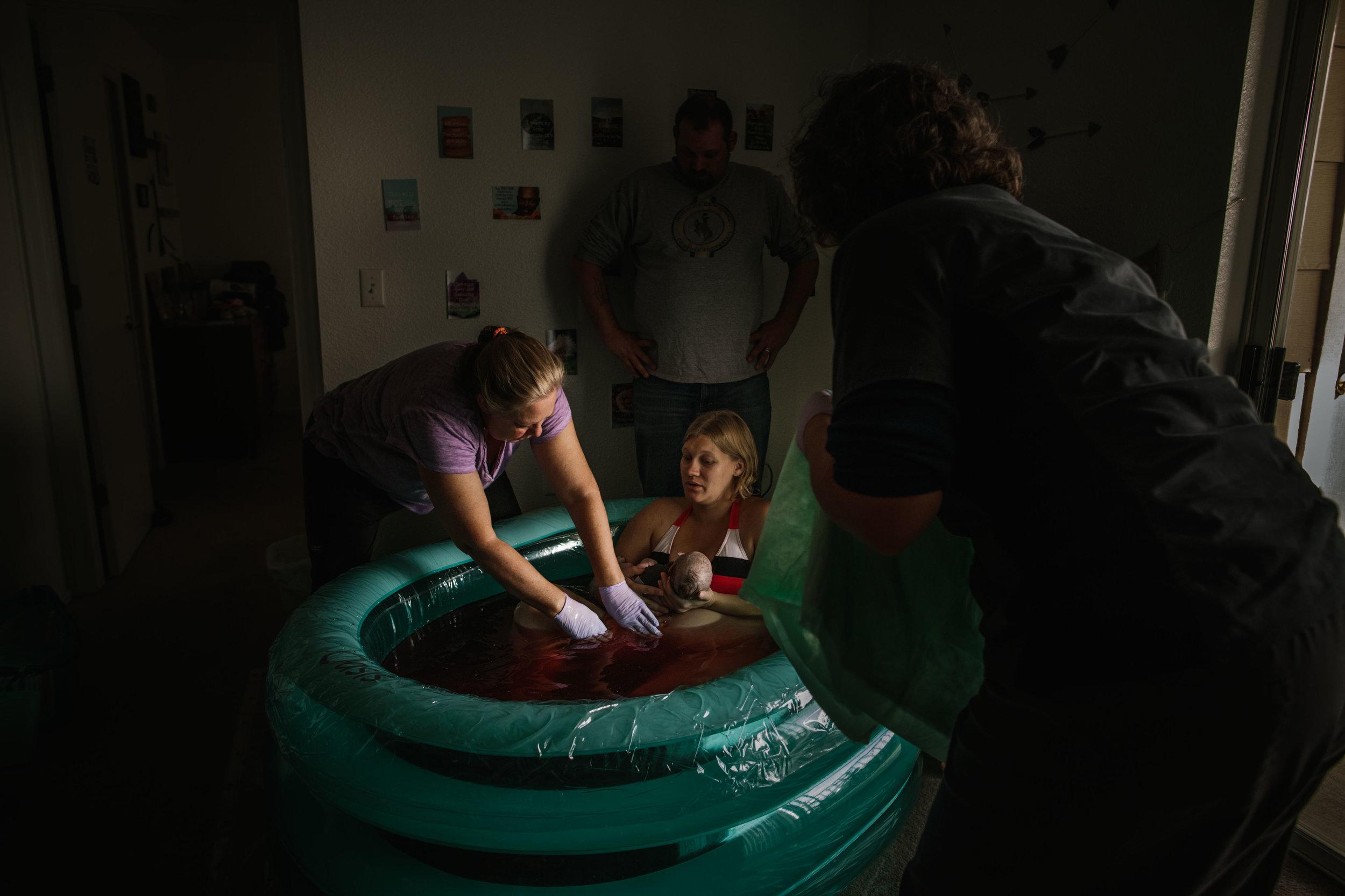 candice birth, cheyenne birth photographer-49.jpg