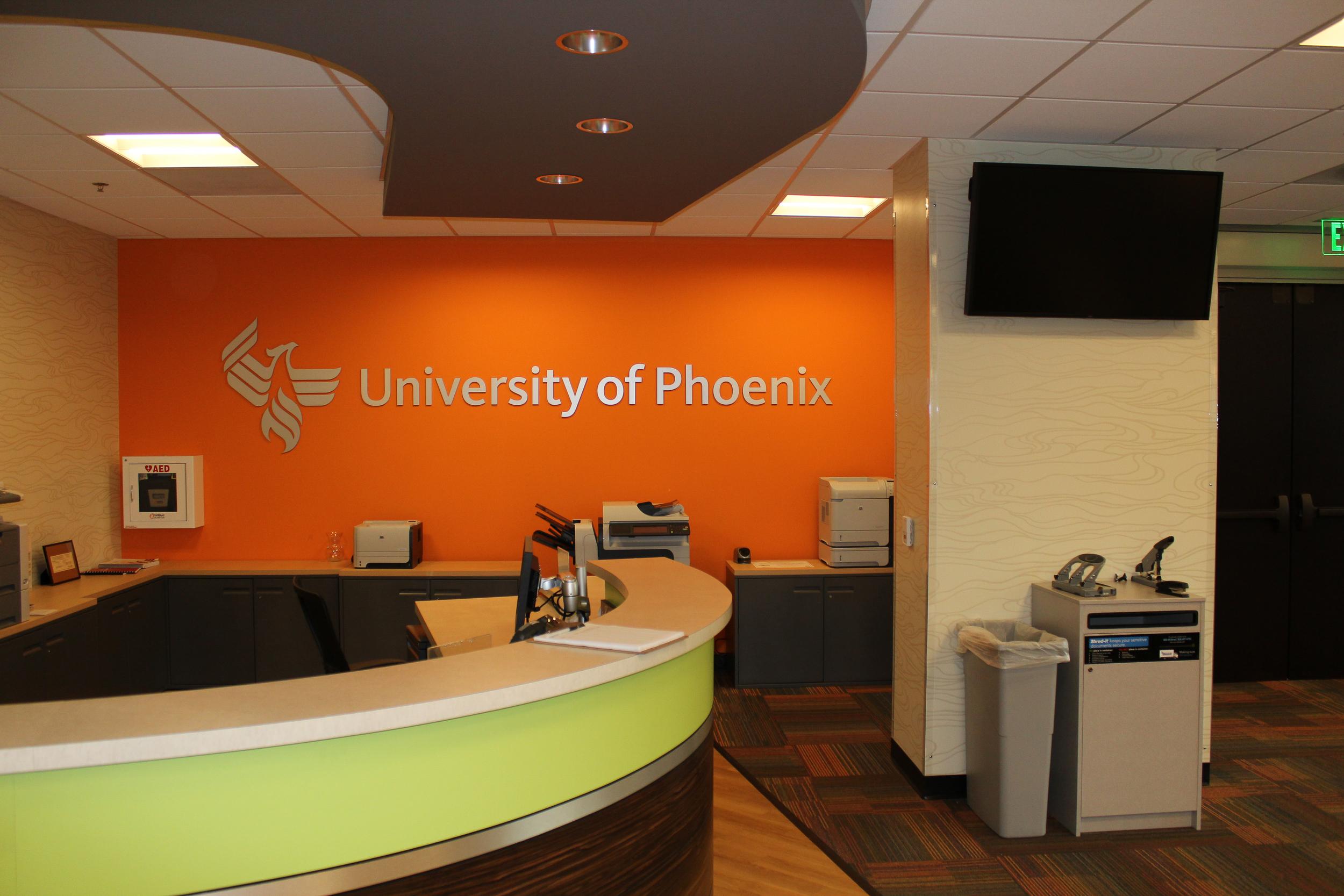 University of Phoenix San Marcos built by K.D. Stahl Construction