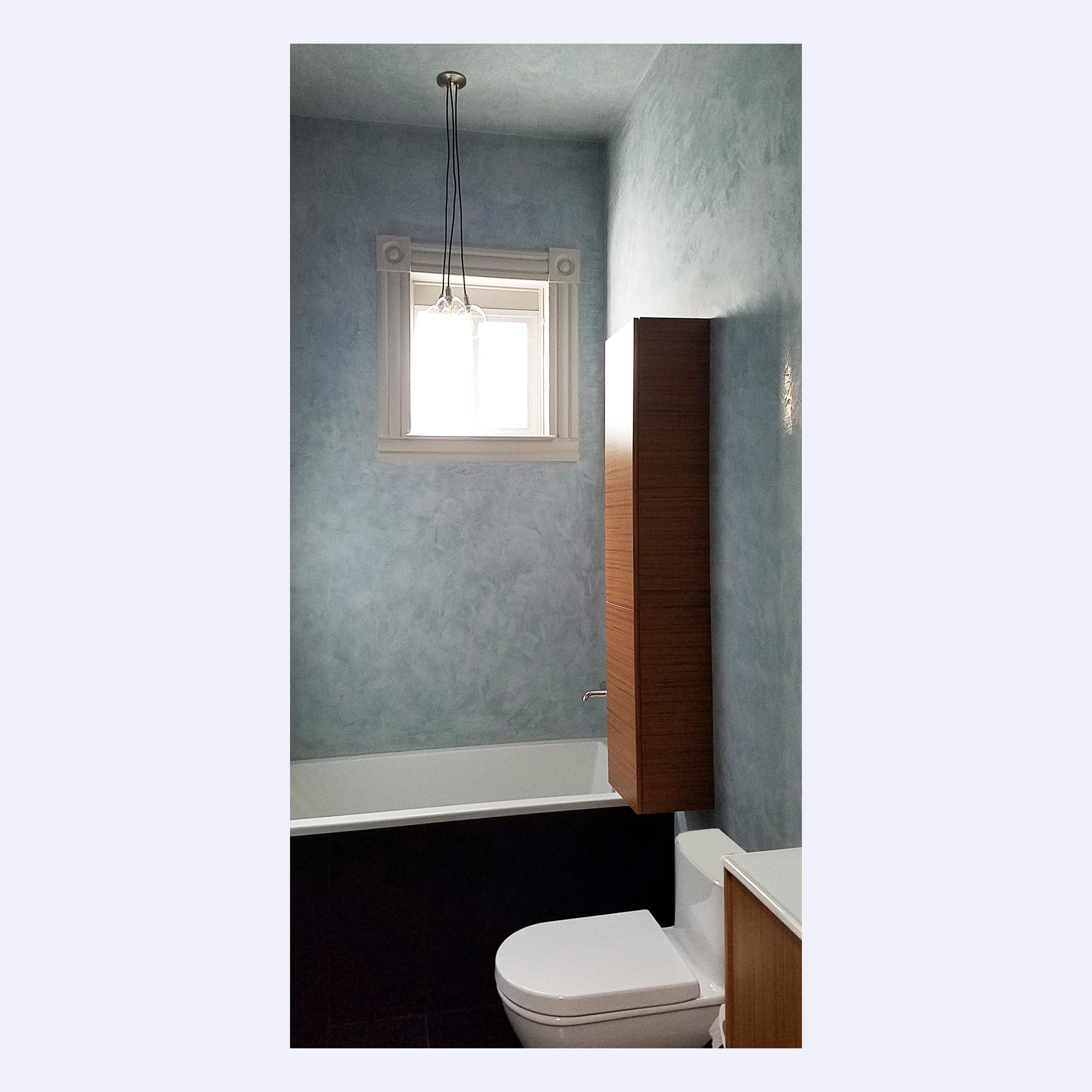 1_Bathroom.jpg