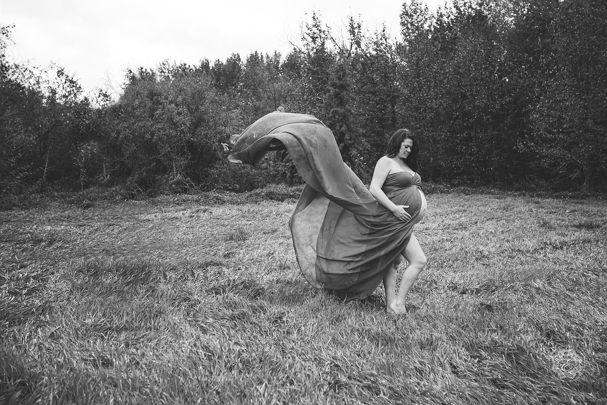 yeg-maternity-portraits-outdoor.jpg