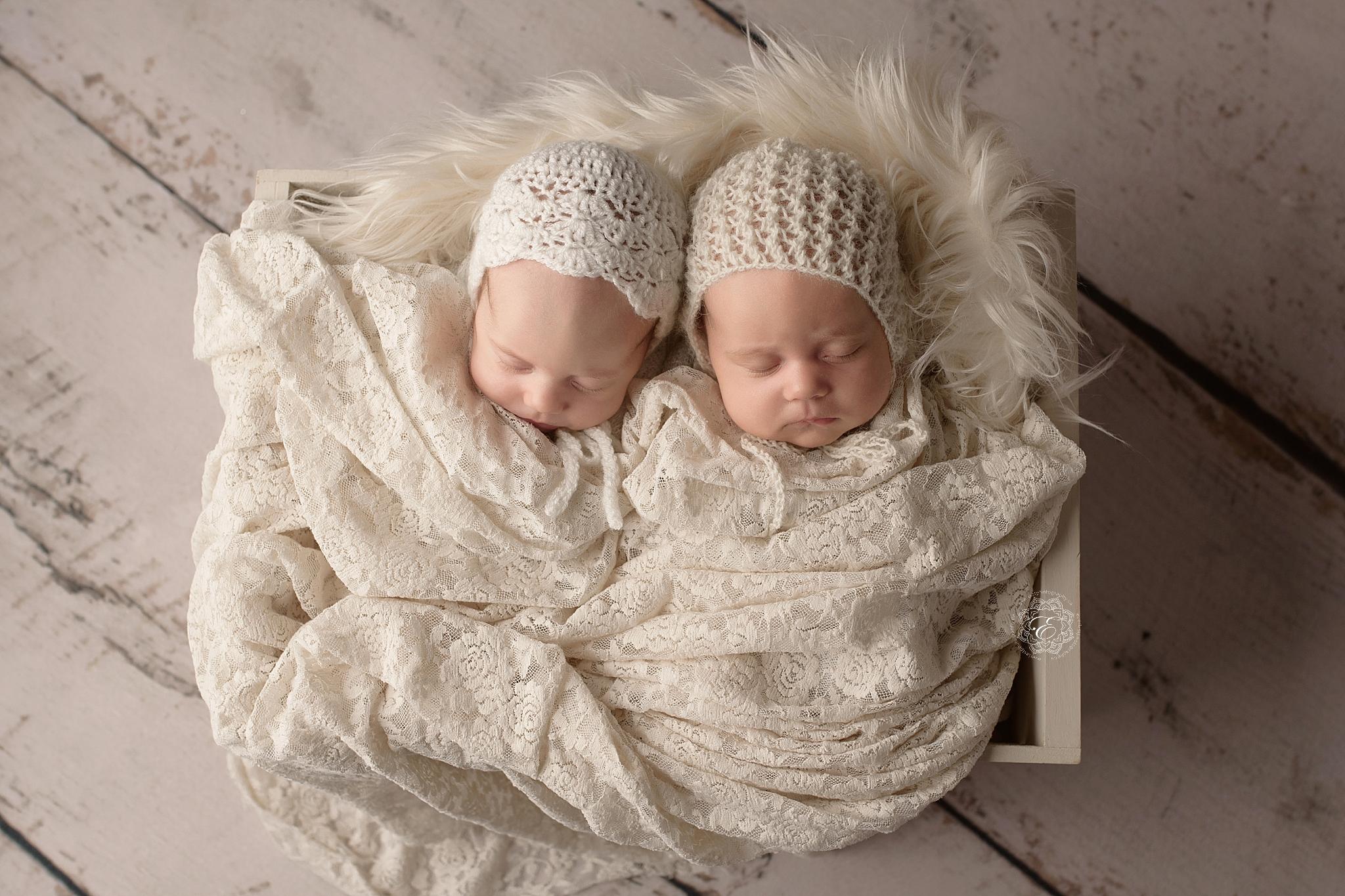 edmonton-best-twin-newborn-photographer.jpg