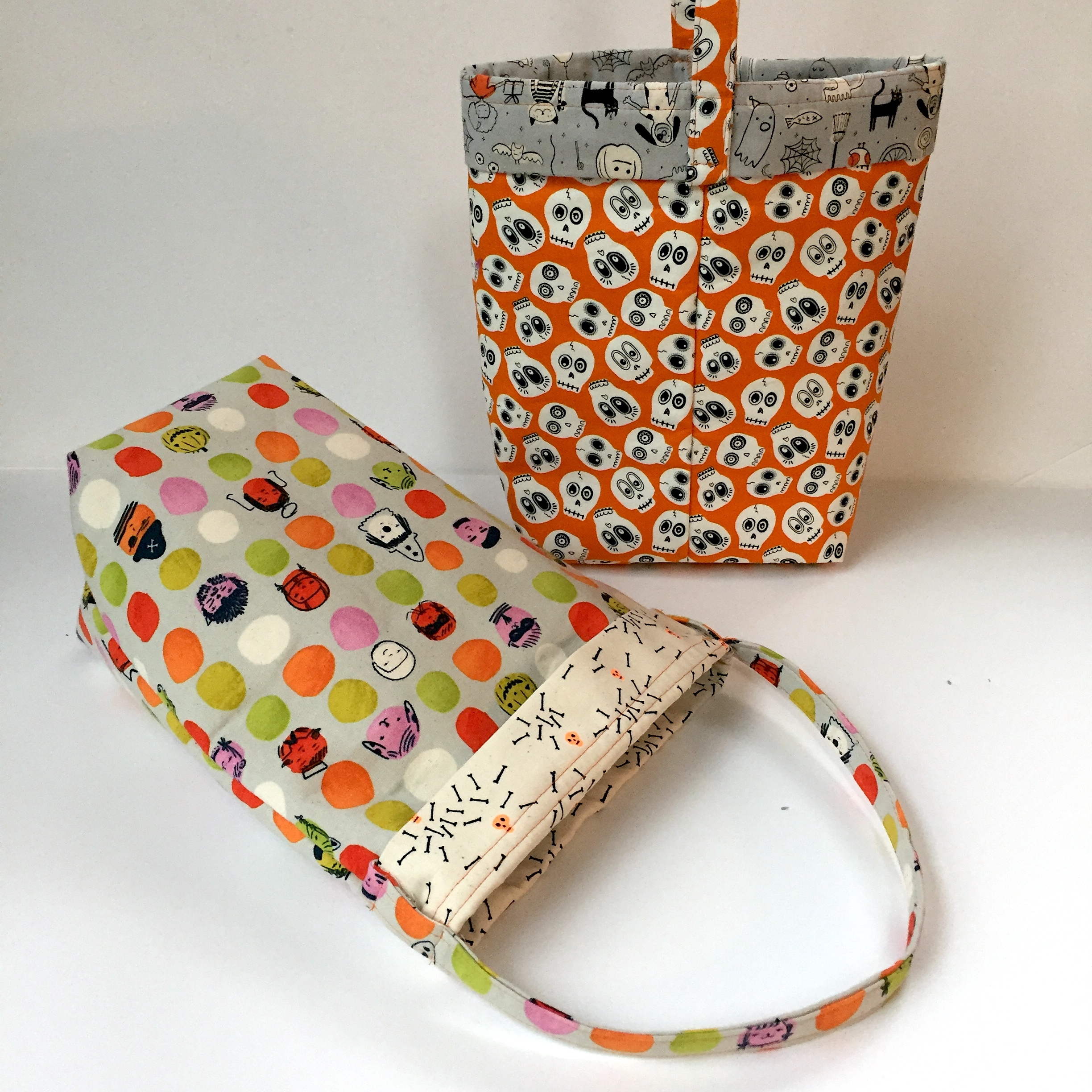 coin purse uses two fat quarters Sewing PATTERN