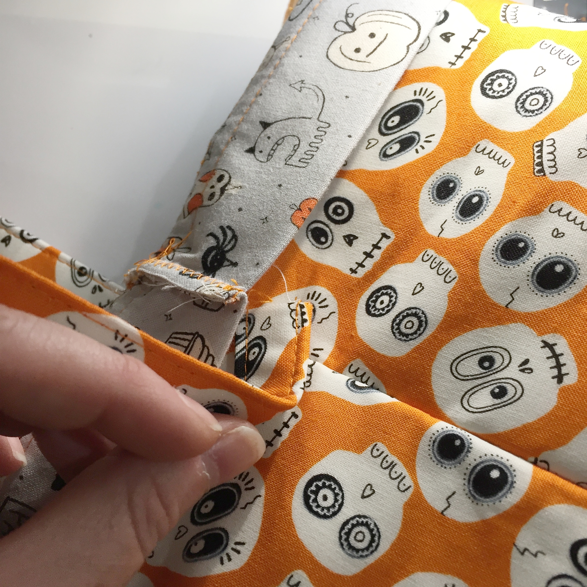 Trick-or-Treat Bags by WEFTY Needle: Attaching Strap
