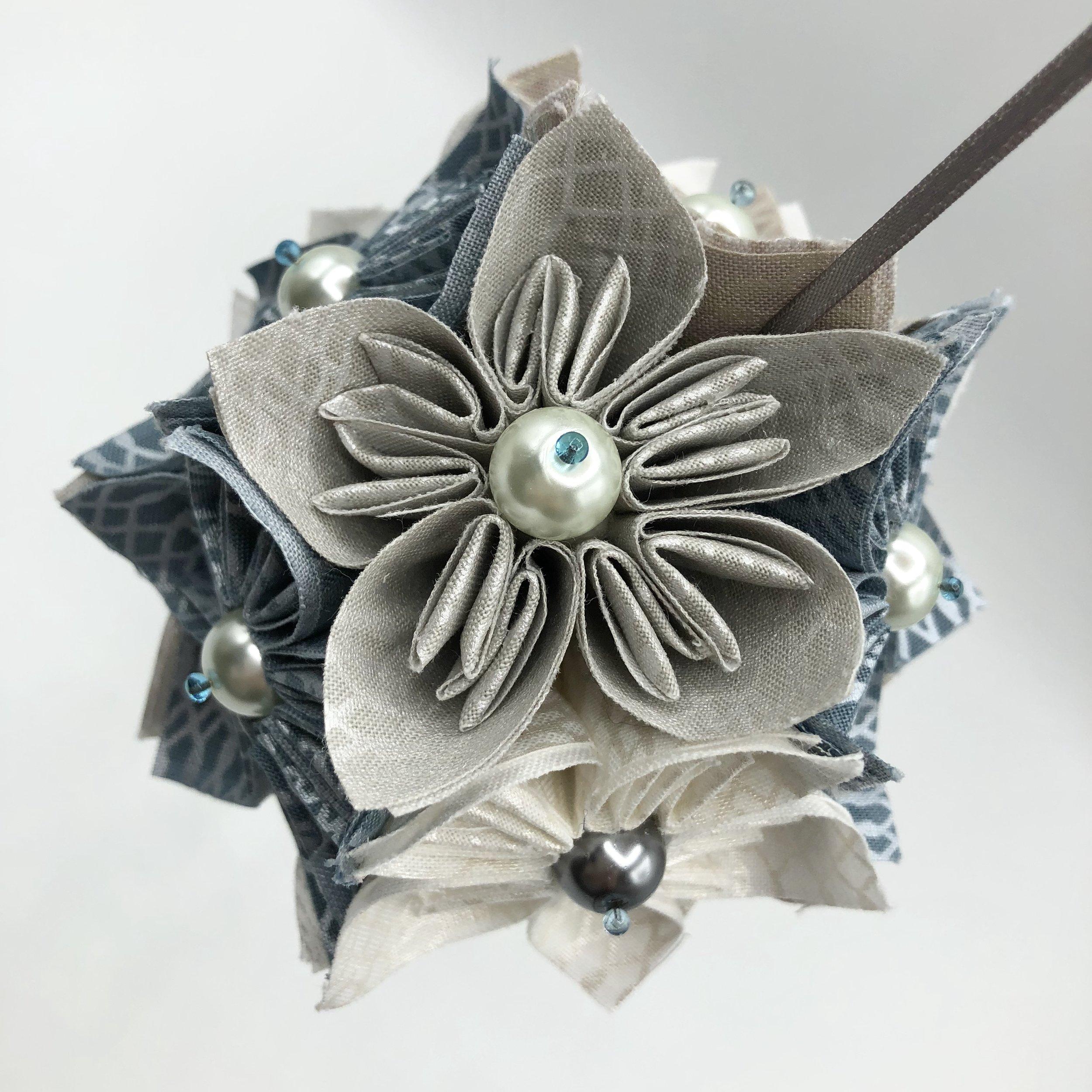 Fabric is Shimmer On by Jennifer Sampou for Robert Kaufman