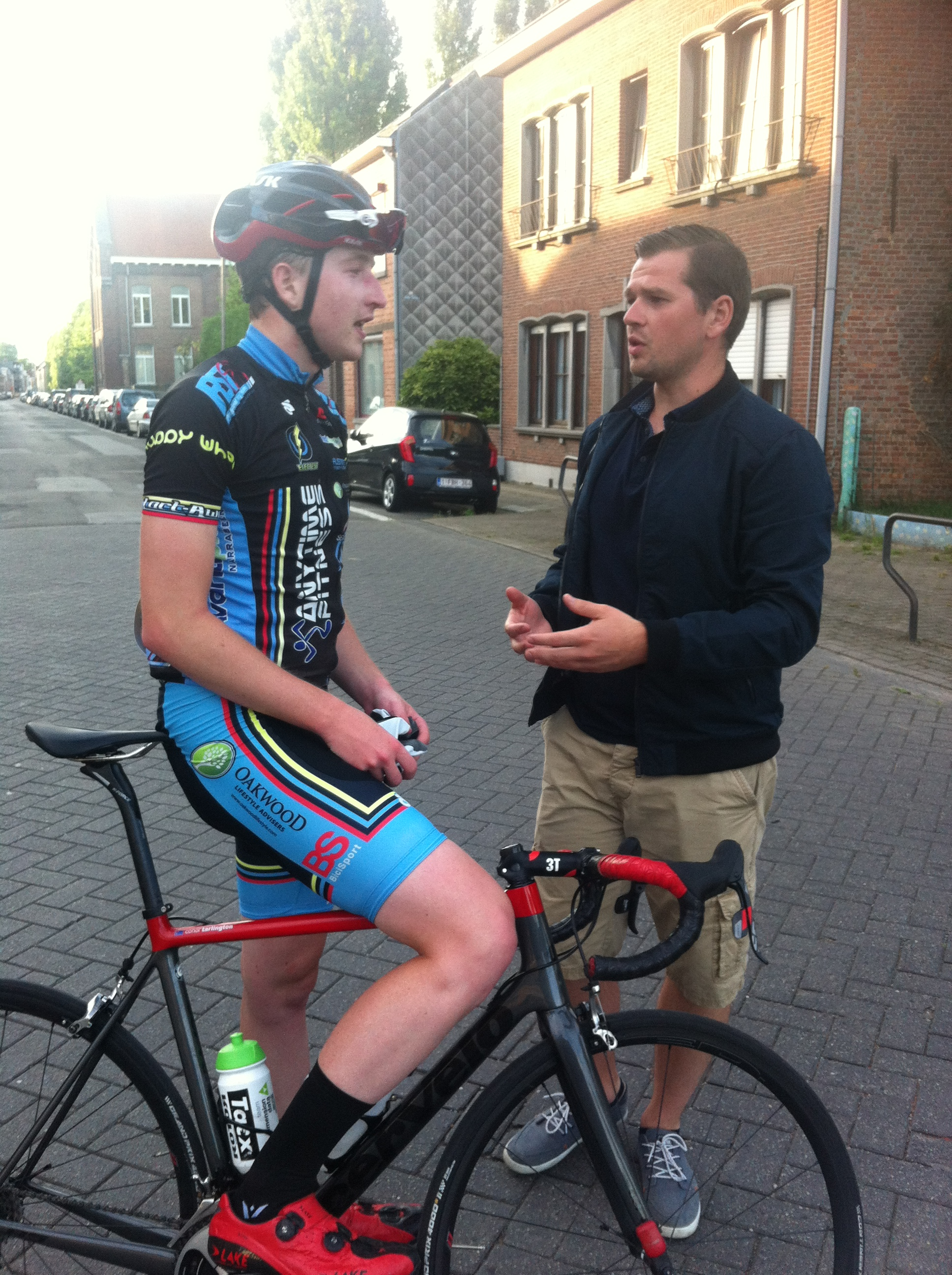 Conor & Maarten Verhulst after the finish discussing how to split the 3 Euro prizemoney