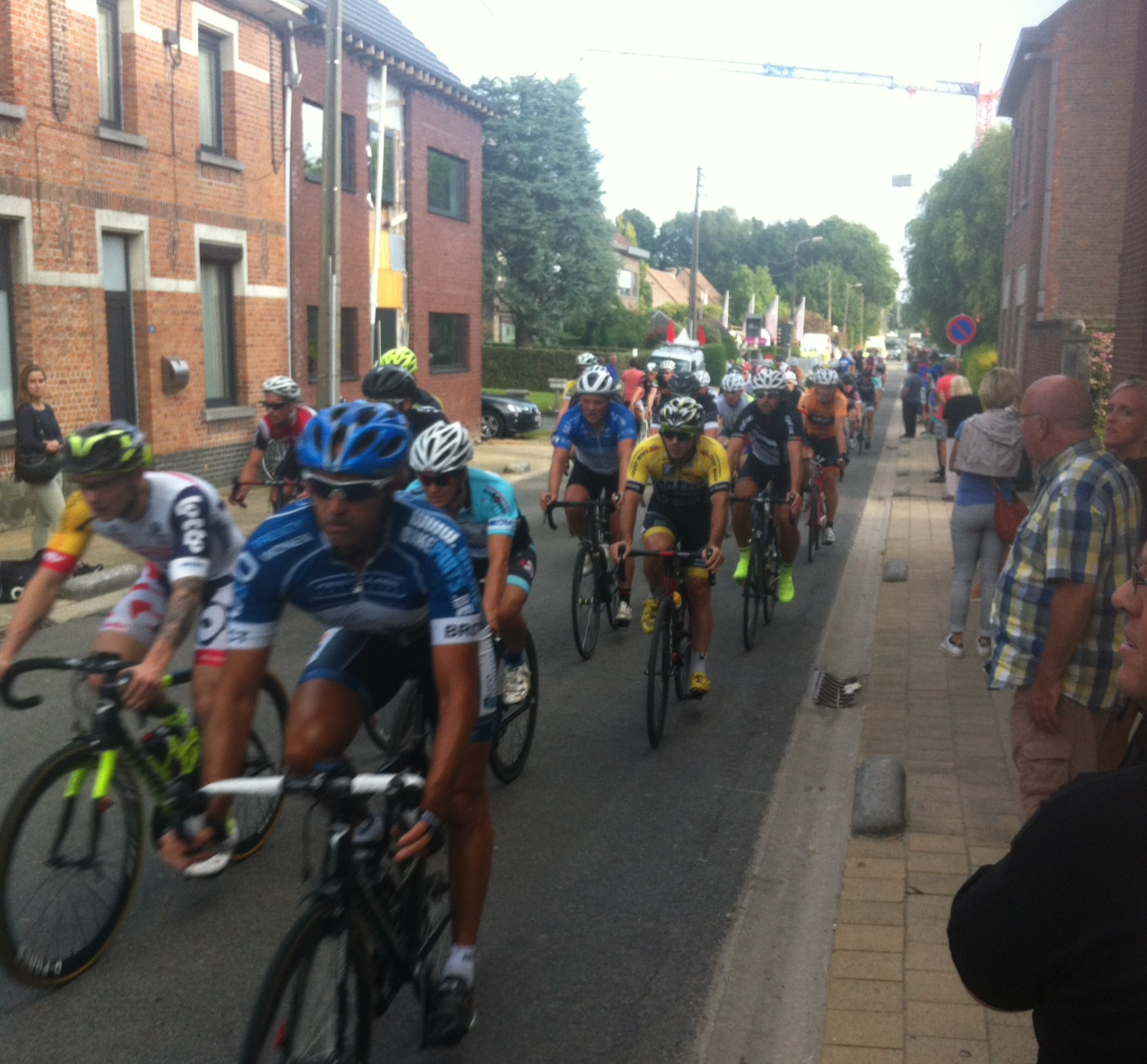 The Temse Kermis race in the VWB League. Koen Verhulst in the yellow fluro overshoes. Conor has his final race at the Temse Kermis UCI race next Tuesday and a good opportunity today to review the circuit.