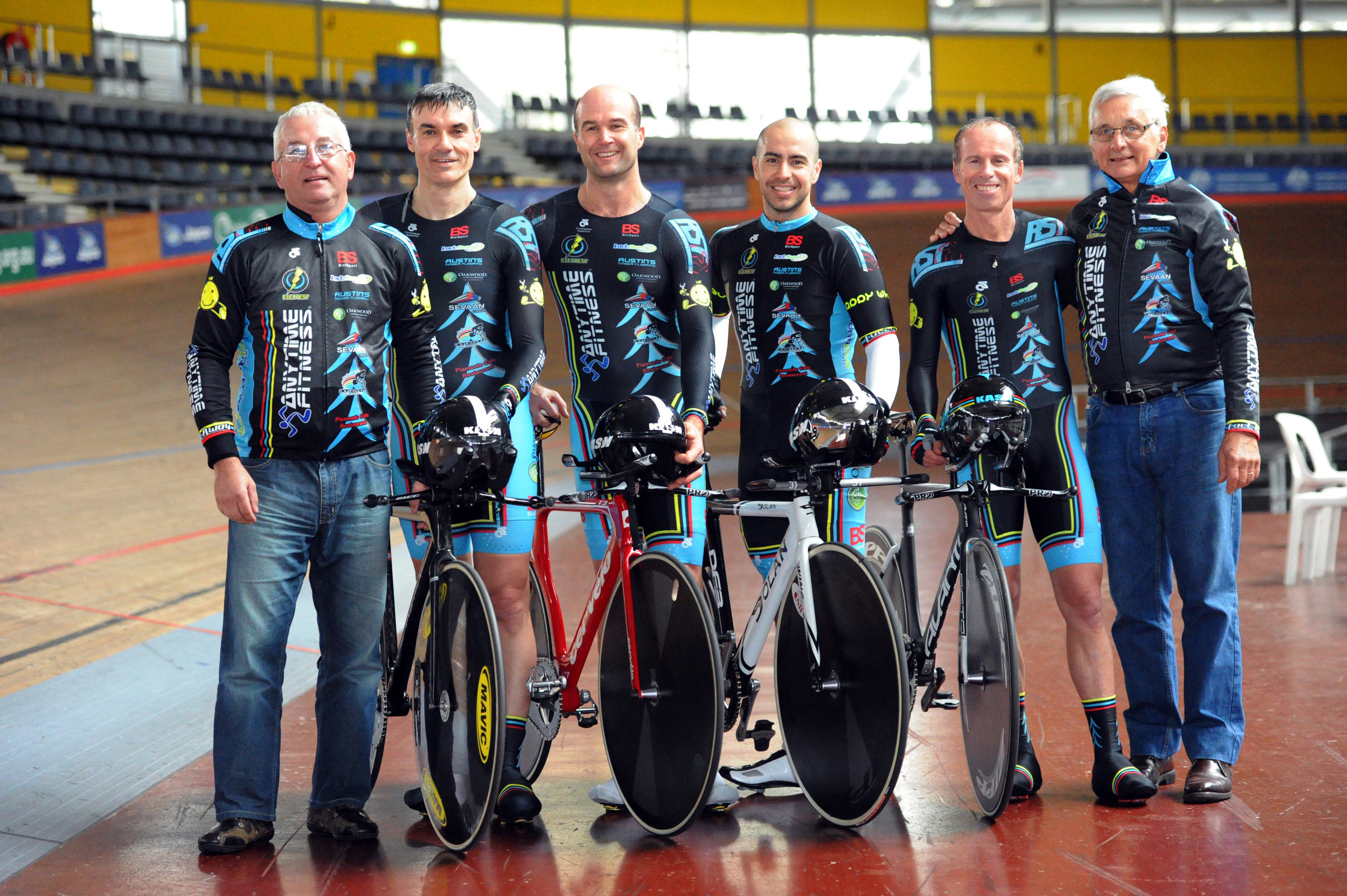 BiciSport Masters Teams Pursuit for Manchester World Championships October 14 - Mike O'Reilly (Assistant Coach), Matt Glanville, Rick McArdle, Alex Arancibia, Jayson Austin & John Crouchley (Coach)