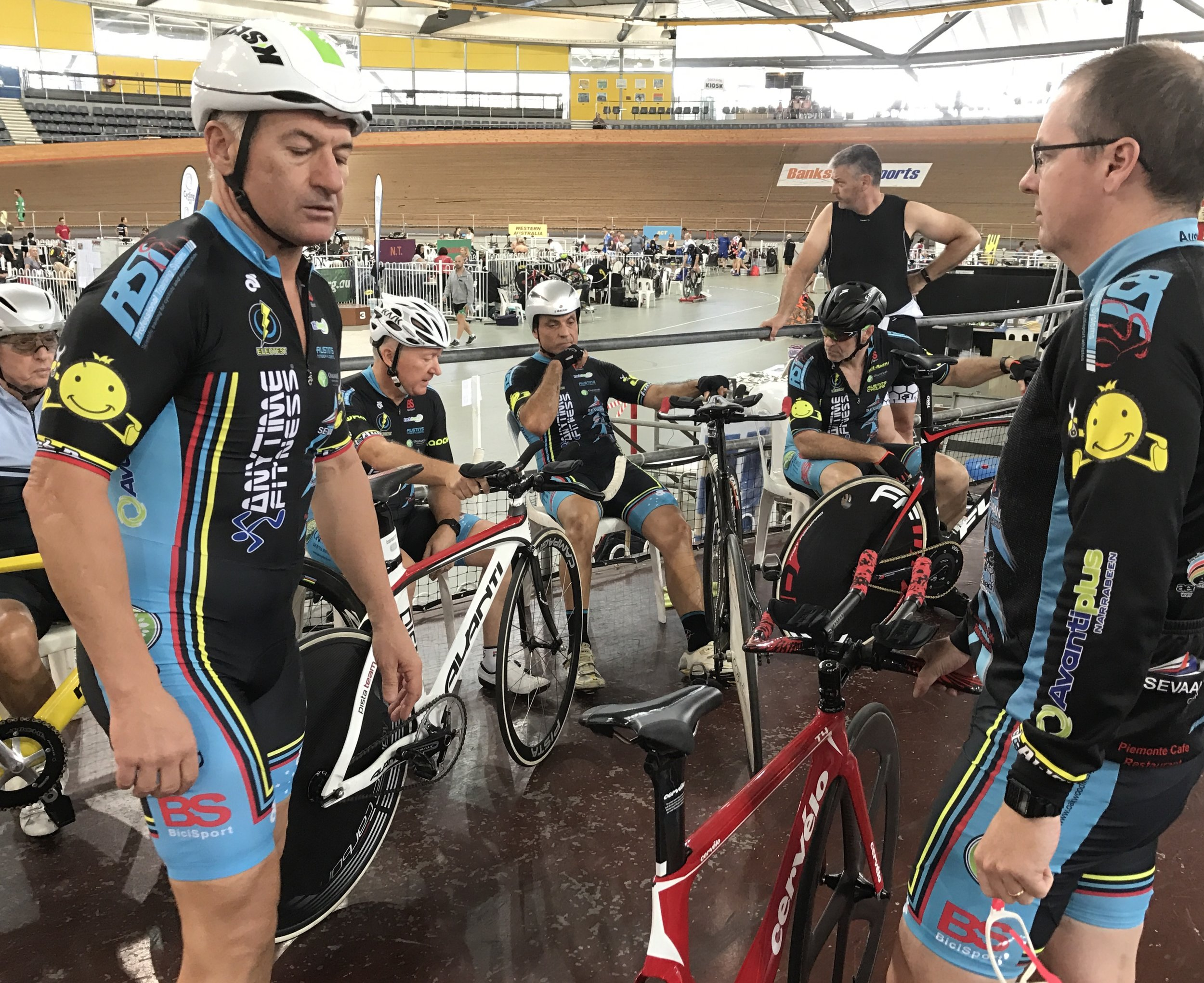 National Masters Track 2017 - BiciSport TP squad of Anthony Colantonio, Graham Cockerton, Dom Zumbo & James Thornton plus David Browne assisting. The team posted 2min 25secs just outside the medal round qualifying time.