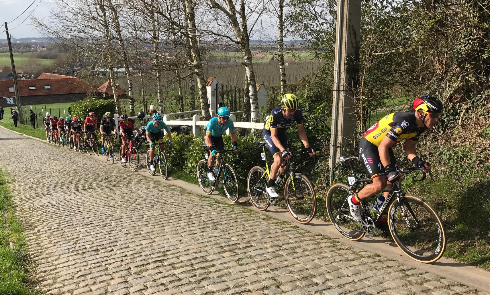 Dwars Vlaanderen 17 - Phil Gilbert attacks the breakaway over the Patersburg cobbles (maximum gradient 20%)