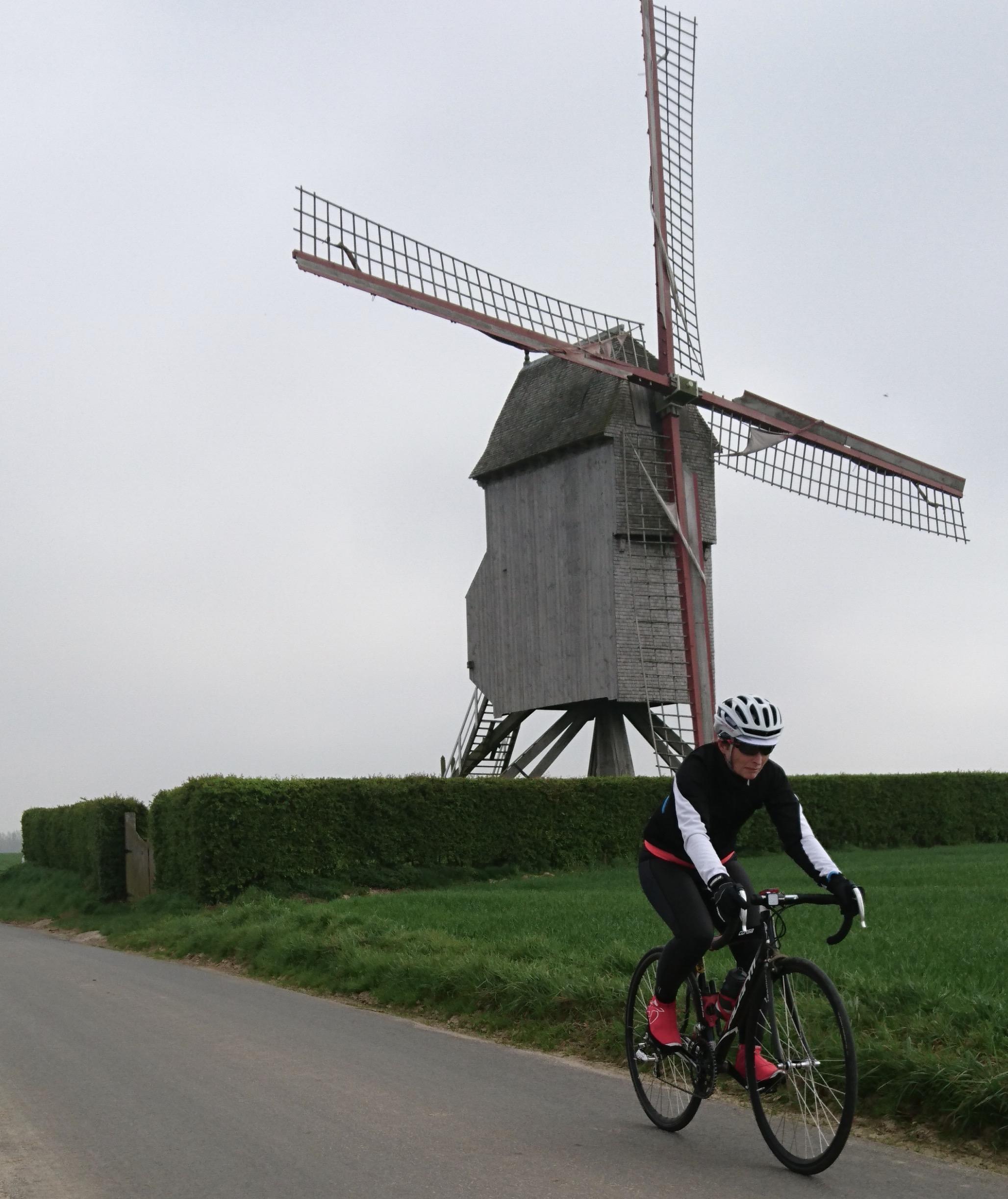 Ronde Van Vlaanderen 17 - the day after the Ronde it was time for Sue & Graham Tierney to get (lost ?) around the Flemish laneways near Zottegem & Sint Blasius Boekel. The ride included the cobbled Paddestraat, Lippenhoevestraat, Holleweg & Haaghoek (all used in the Ronde)