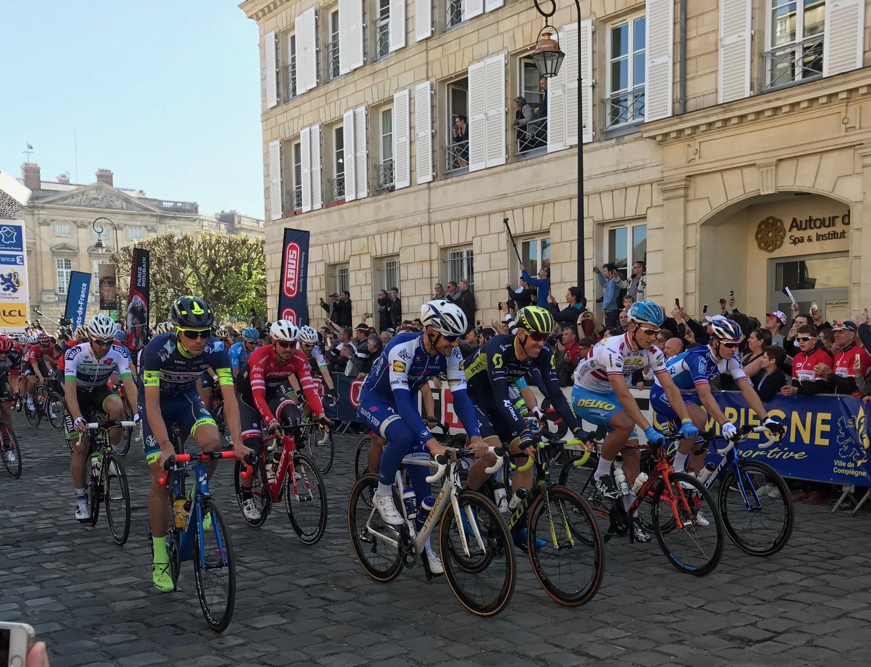 Paris Roubaix 17 - Tom Boonen & Matt Hayman roll out from Compeigne