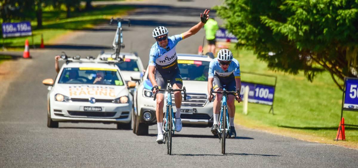 Tour of Tasmania 17 - Peter Livingstone (BiciSport Mobius) wins Stage 1