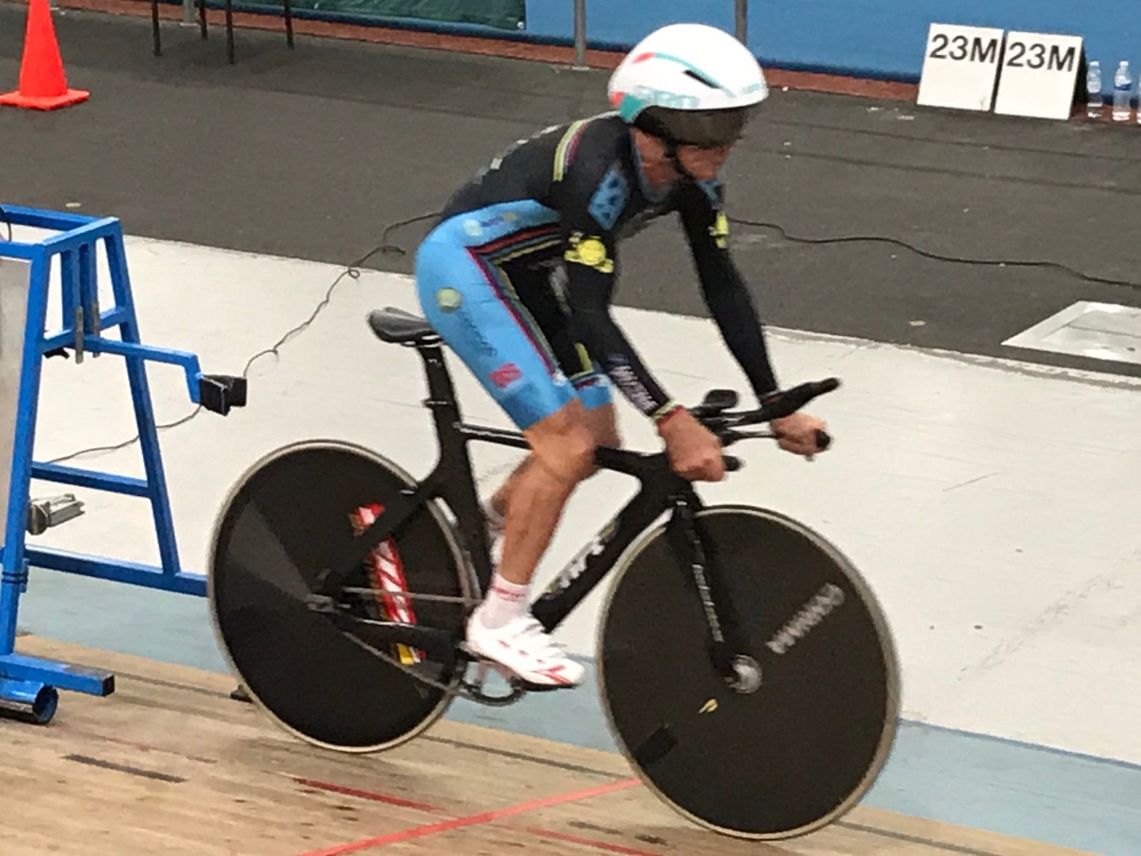 National Masters Track Championships 18 @ Melbourne - Mike Lawson launches from the starting gates in the M7 Individual Pursuit. Mike finished 4th in a close fought M7 final.