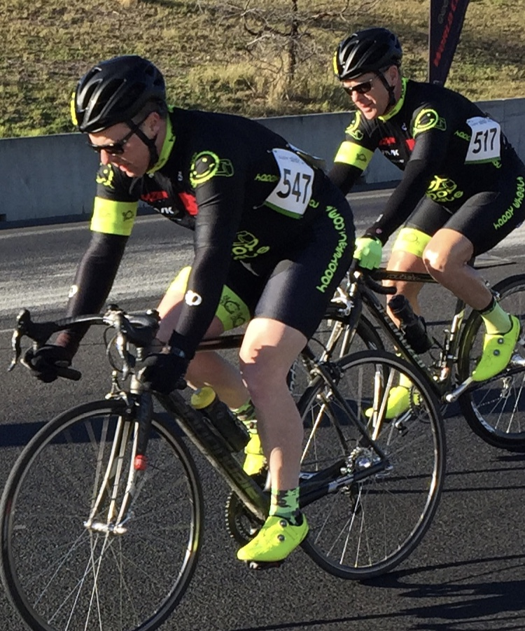 Cervelo Masters @ Sydney Dragway @ 15 July - David Browne leads Peter Budd (BiciSport Happy Wheels)