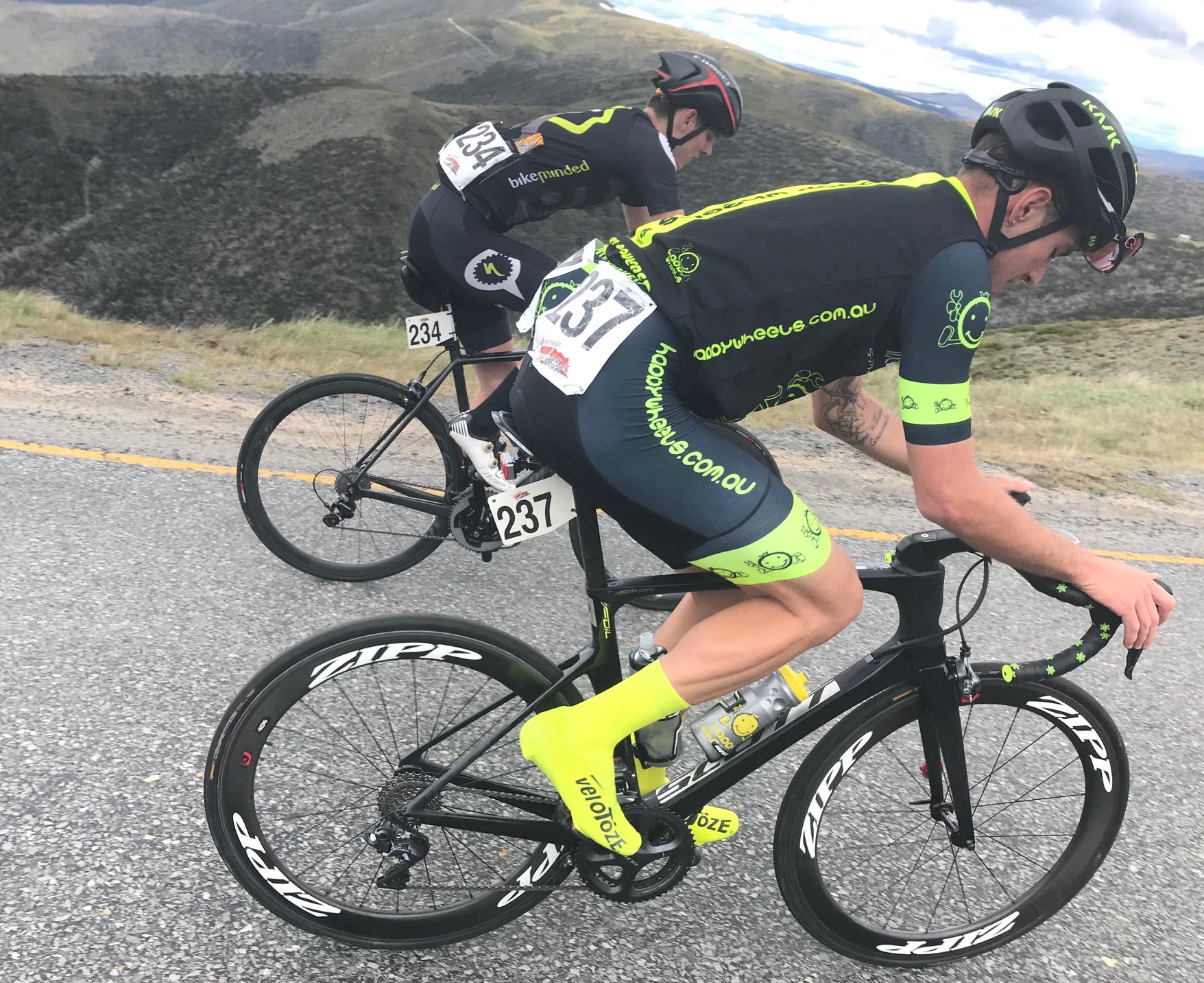 Tour of Bright 18 @ 2 Dec - Declan Jones approaching the Mount Hotham summit