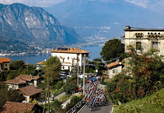 Il Perlo Hotel @ Bellagio on Lake Como plays host to BiciSport in Italy in March 2019. The picture above features the Tour of Lombardy pro race passing by in clear & sunny conditions.