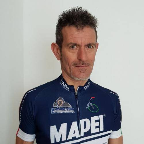 Alberto Elli  is the IL Perlo Hotel cycling guide for the BiciSport team to see the Milan San Remo pro classic & Bellagio-Lake Como rides. Alberto was the Yellow Jersey holder for four days at the 2000 Tour de France.