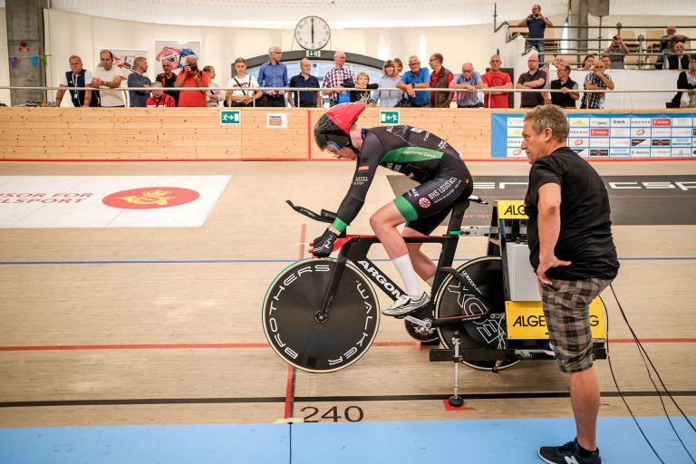 Danish Hour Record @ 13 August - Marting prepares for the launch
