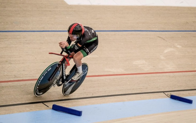 Danish Hour Record @ 13 August - Marting in action during the Hour record